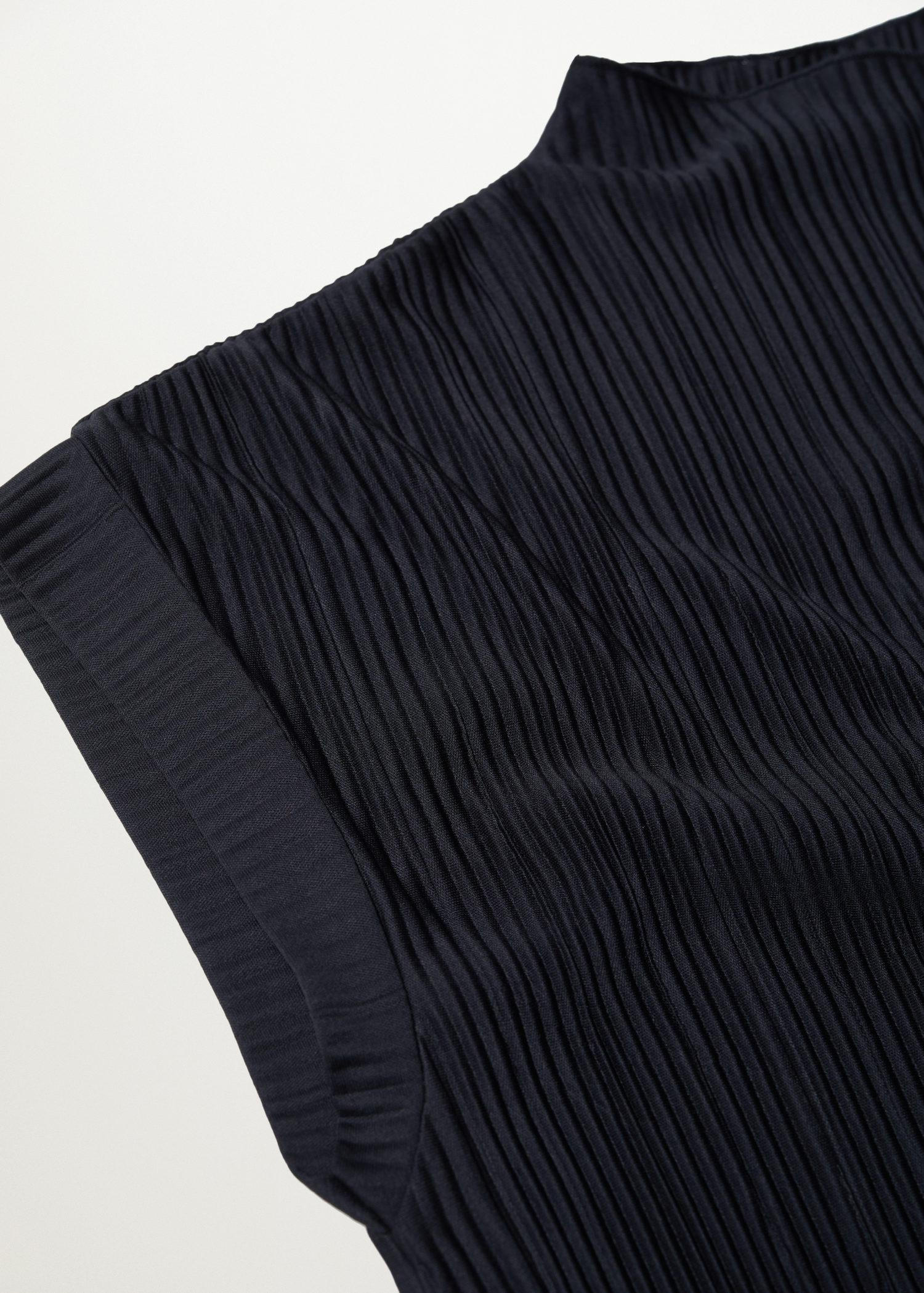 Pleated top 6