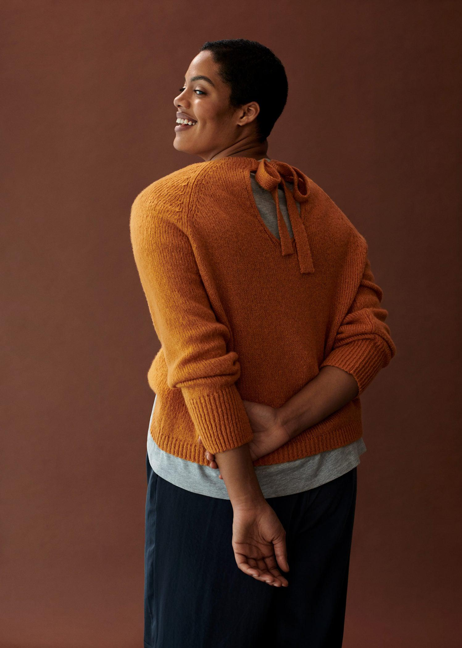 Back bow sweater 5