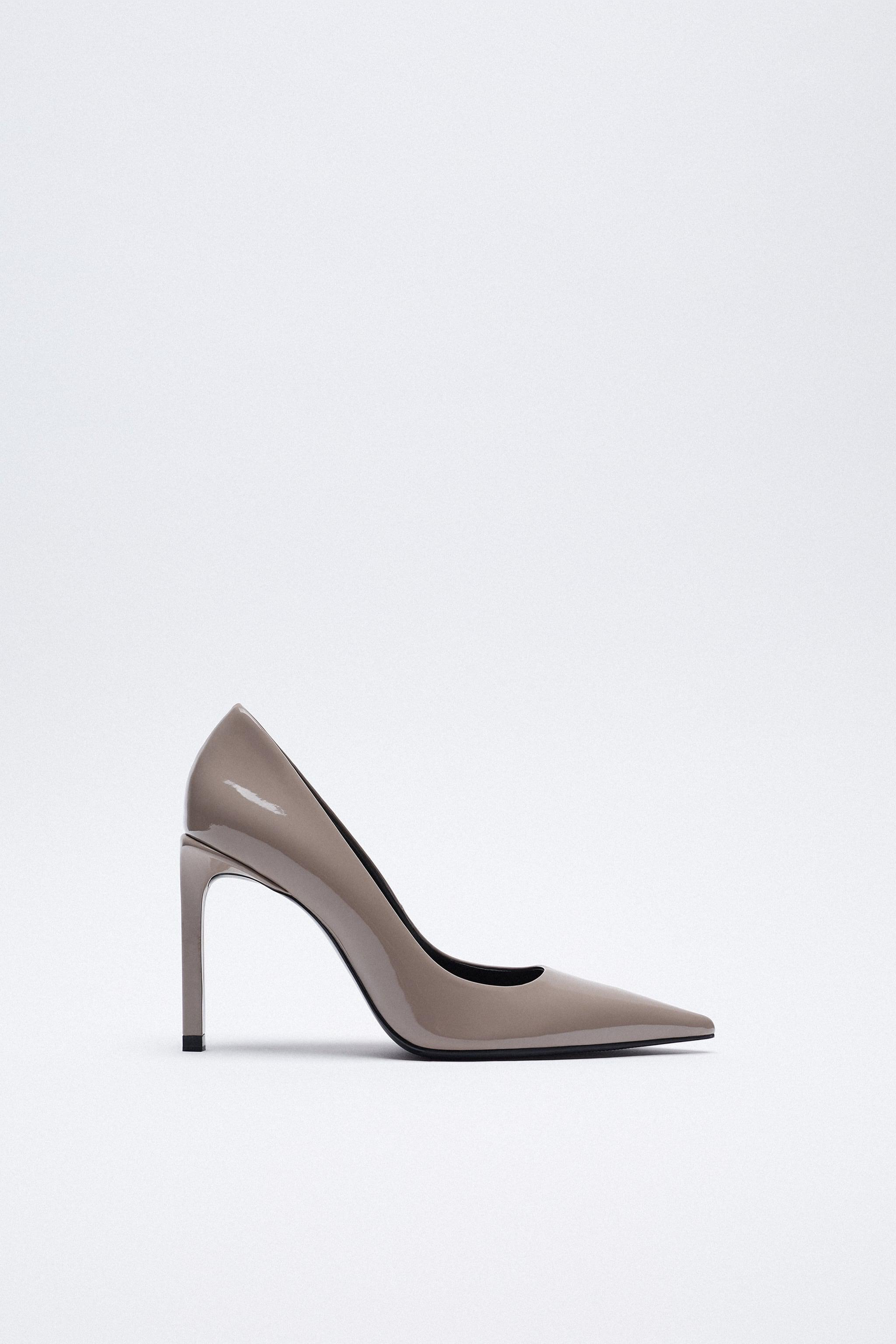 PATENT FINISH POINTED TOE HEELS