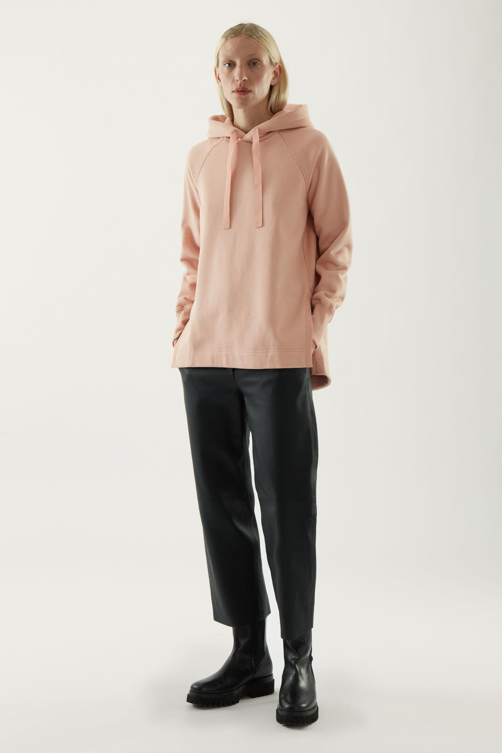 RELAXED HOODIE WITH SIDE SLITS