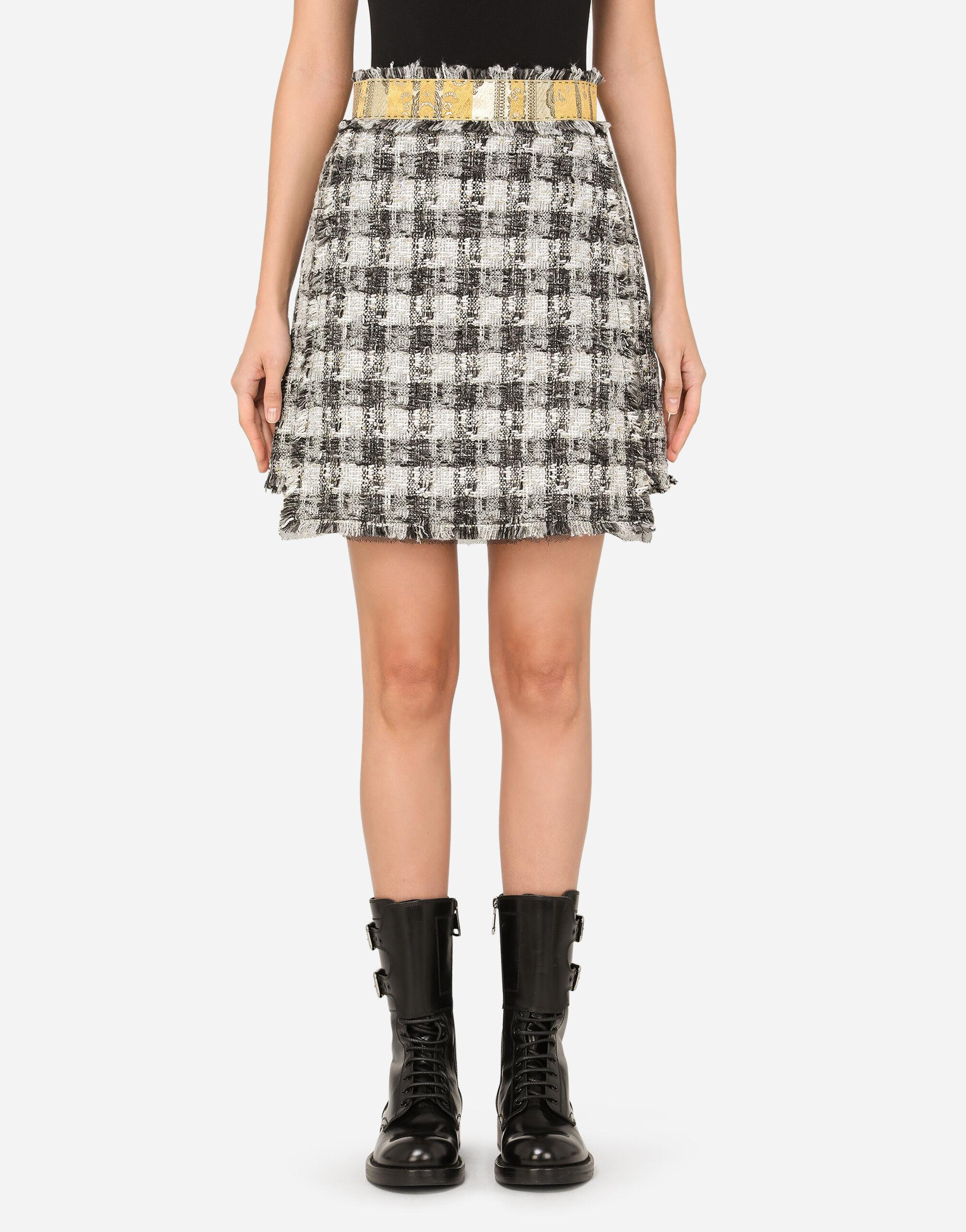 Short tweed skirt with jacquard details