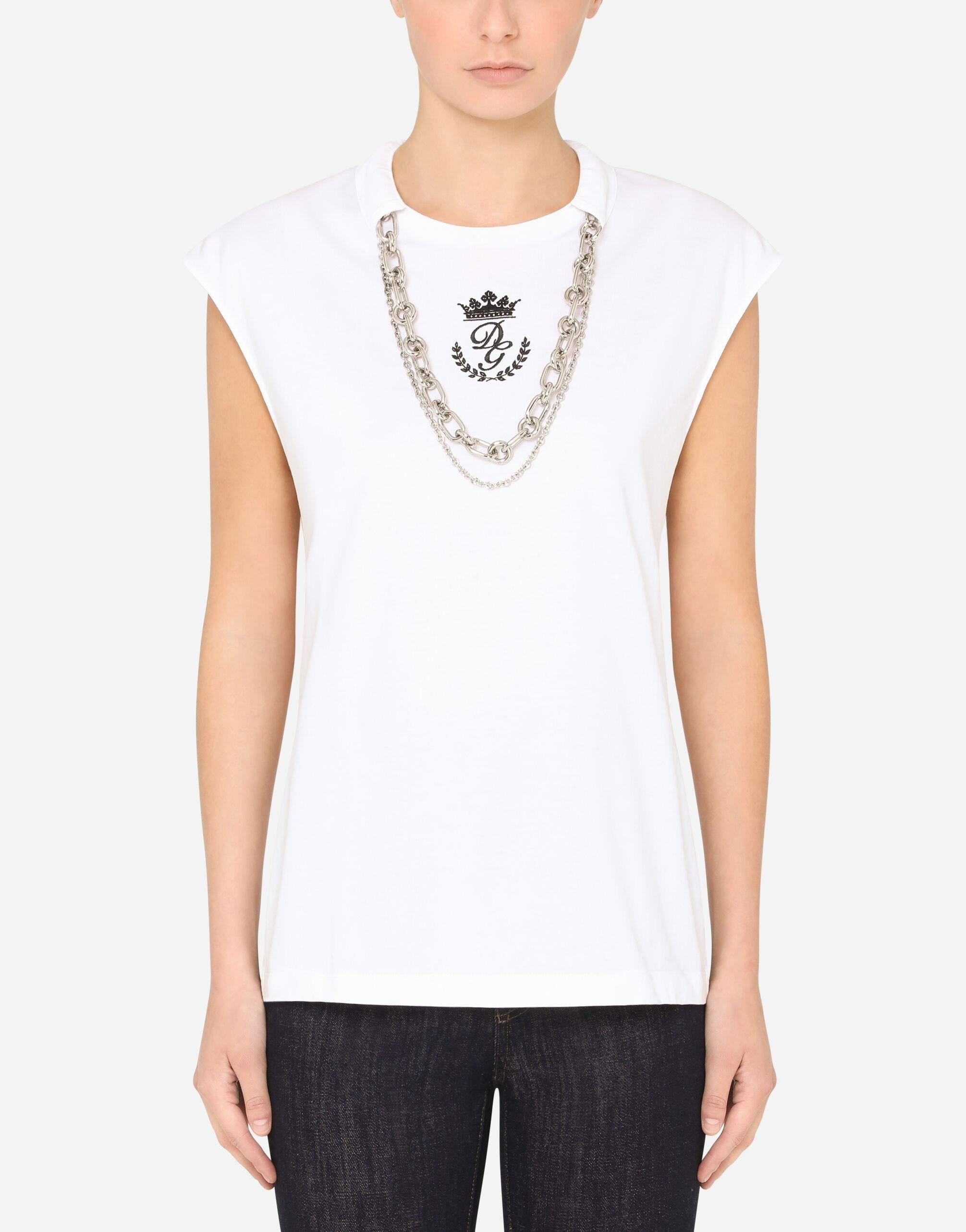 Jersey t-shirt with necklaces