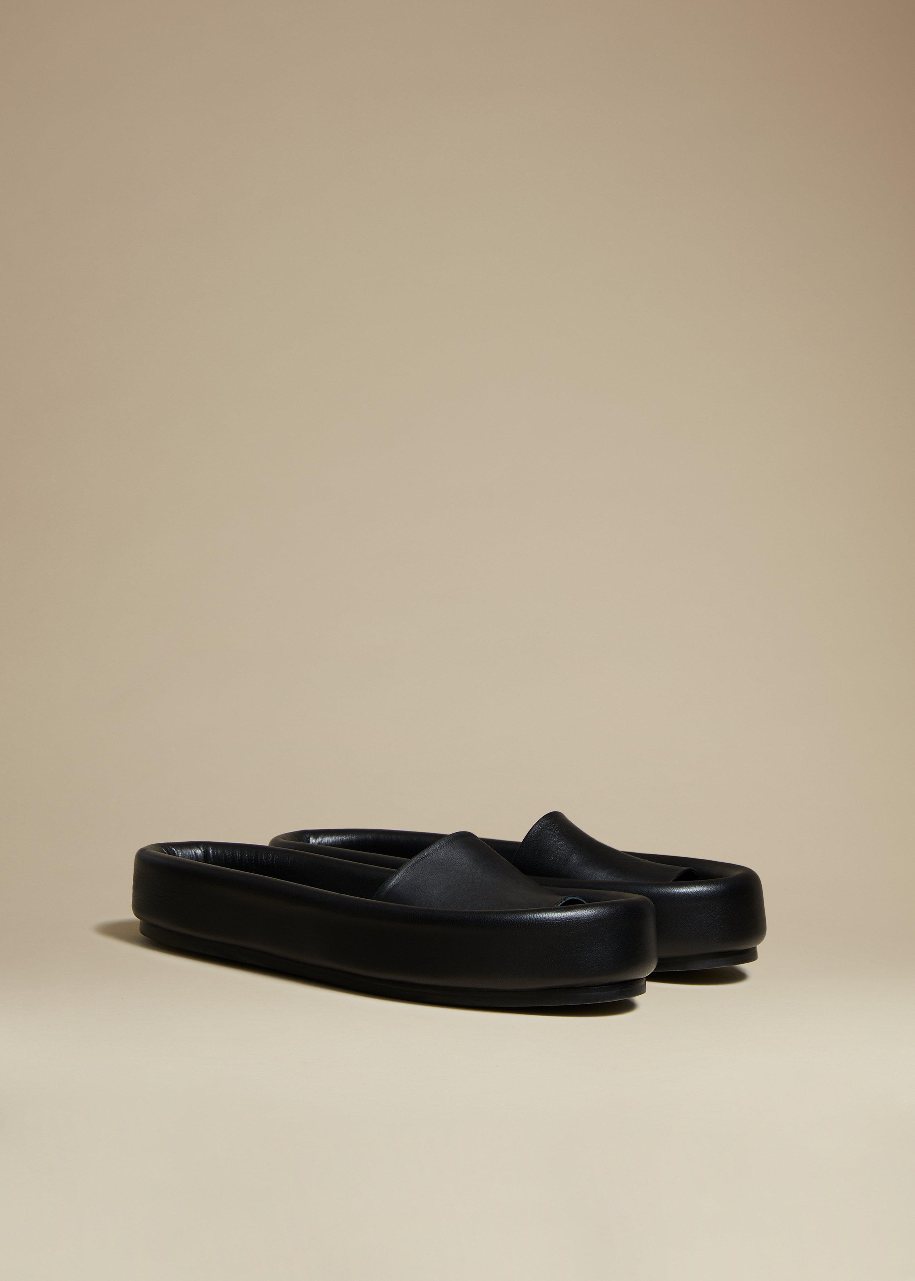 The Venice Sandal in Black Leather 1