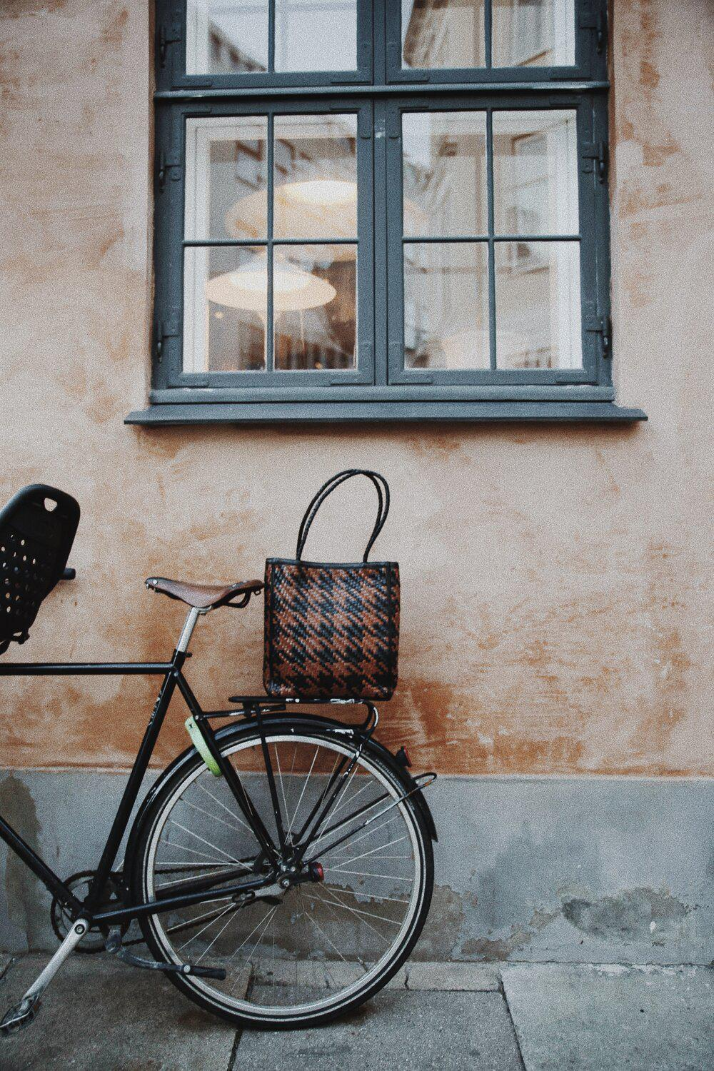 Le Tote - Houndstooth 3