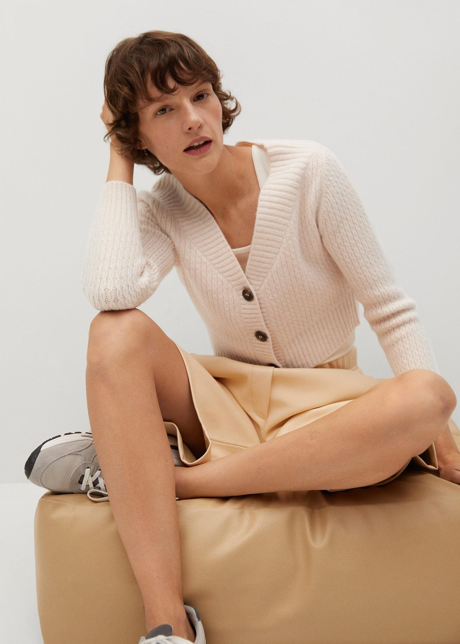 Cropped cardigan with buttons 4
