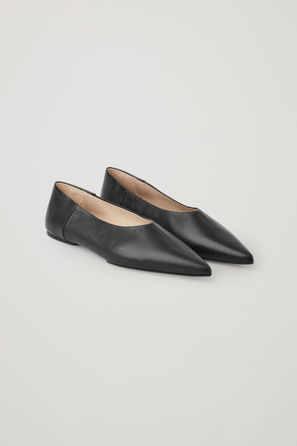POINTED LEATHER BALLET FLATS