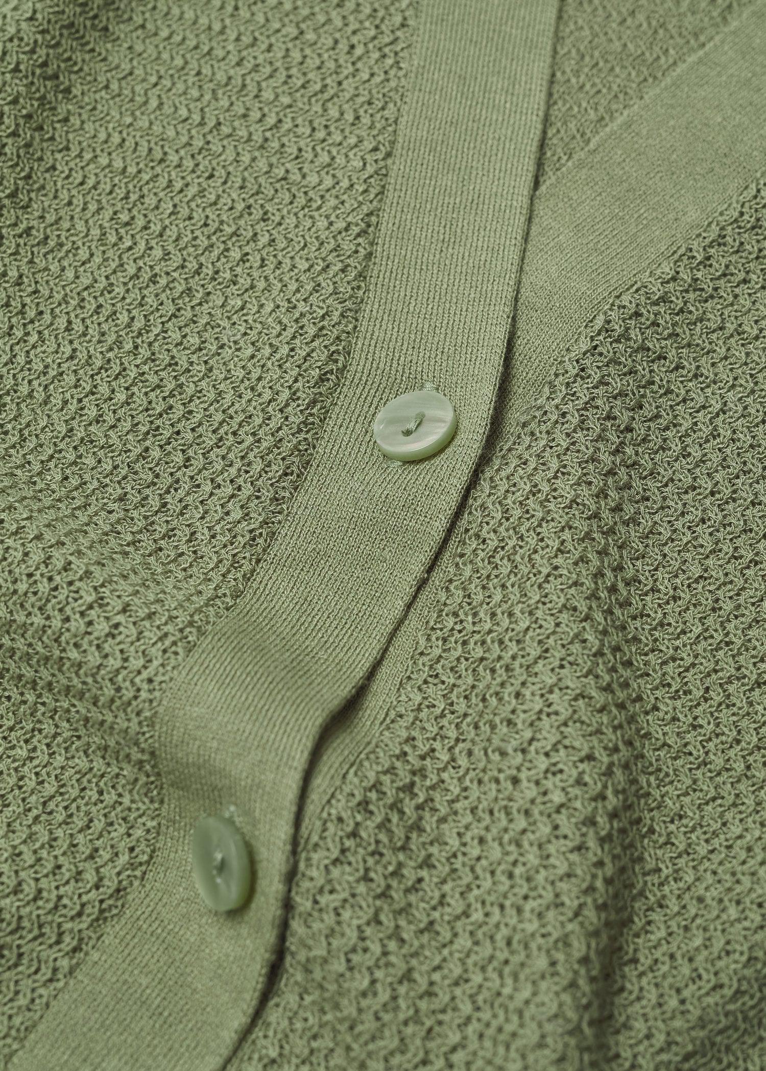 Vest with side opening 7