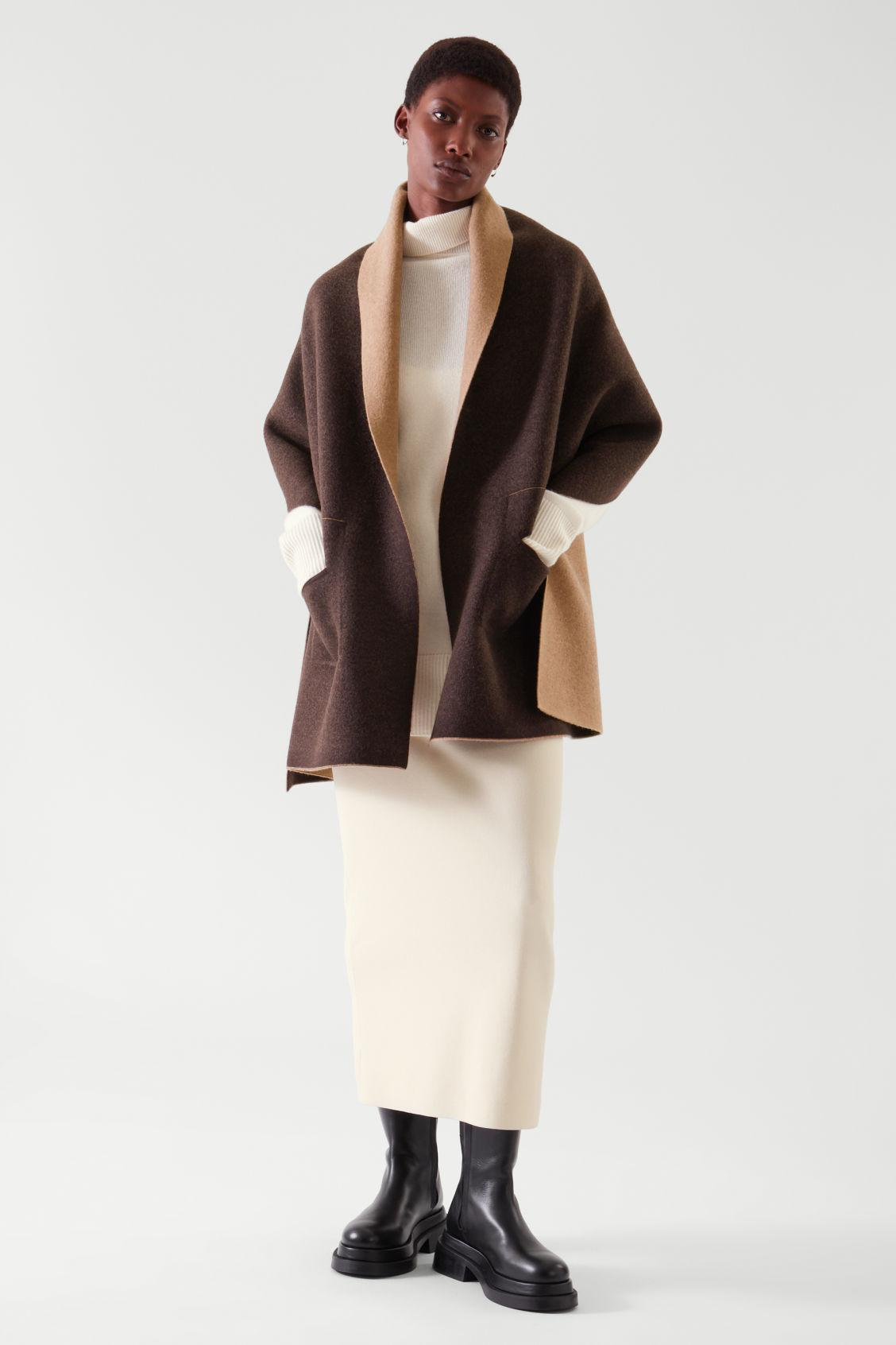 WOOL KNITTED CAPE