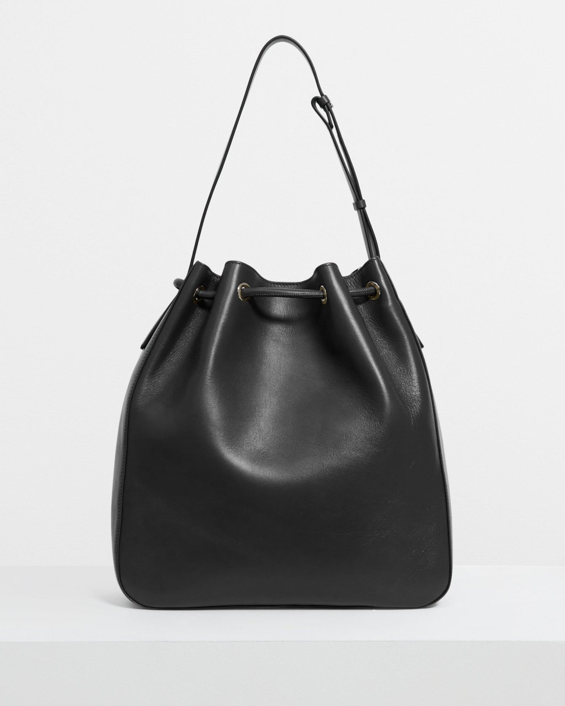 Large Bucket Bag in Leather