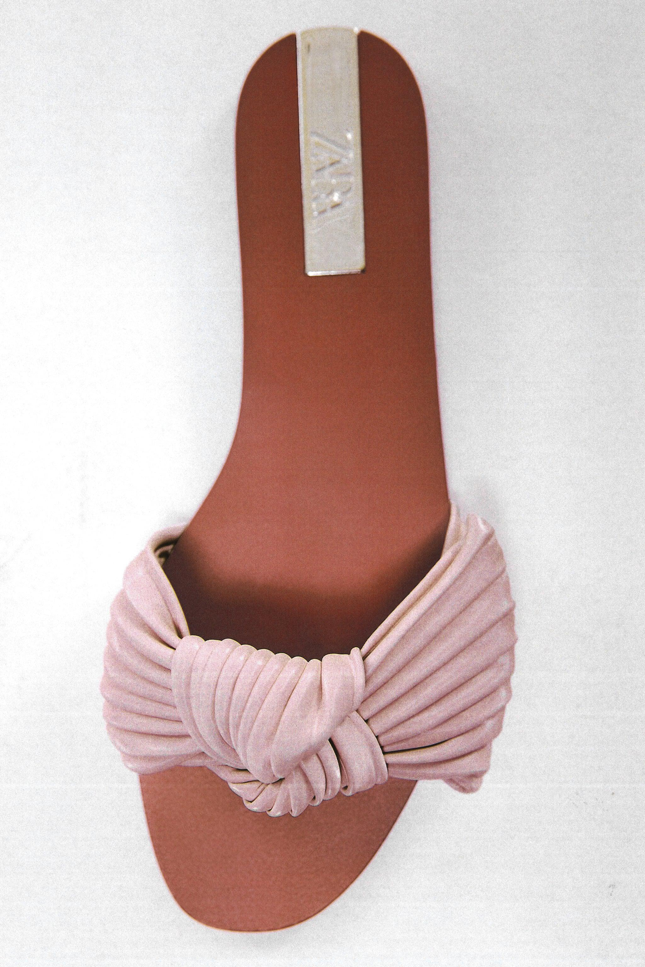 FLAT SANDALS WITH BOW