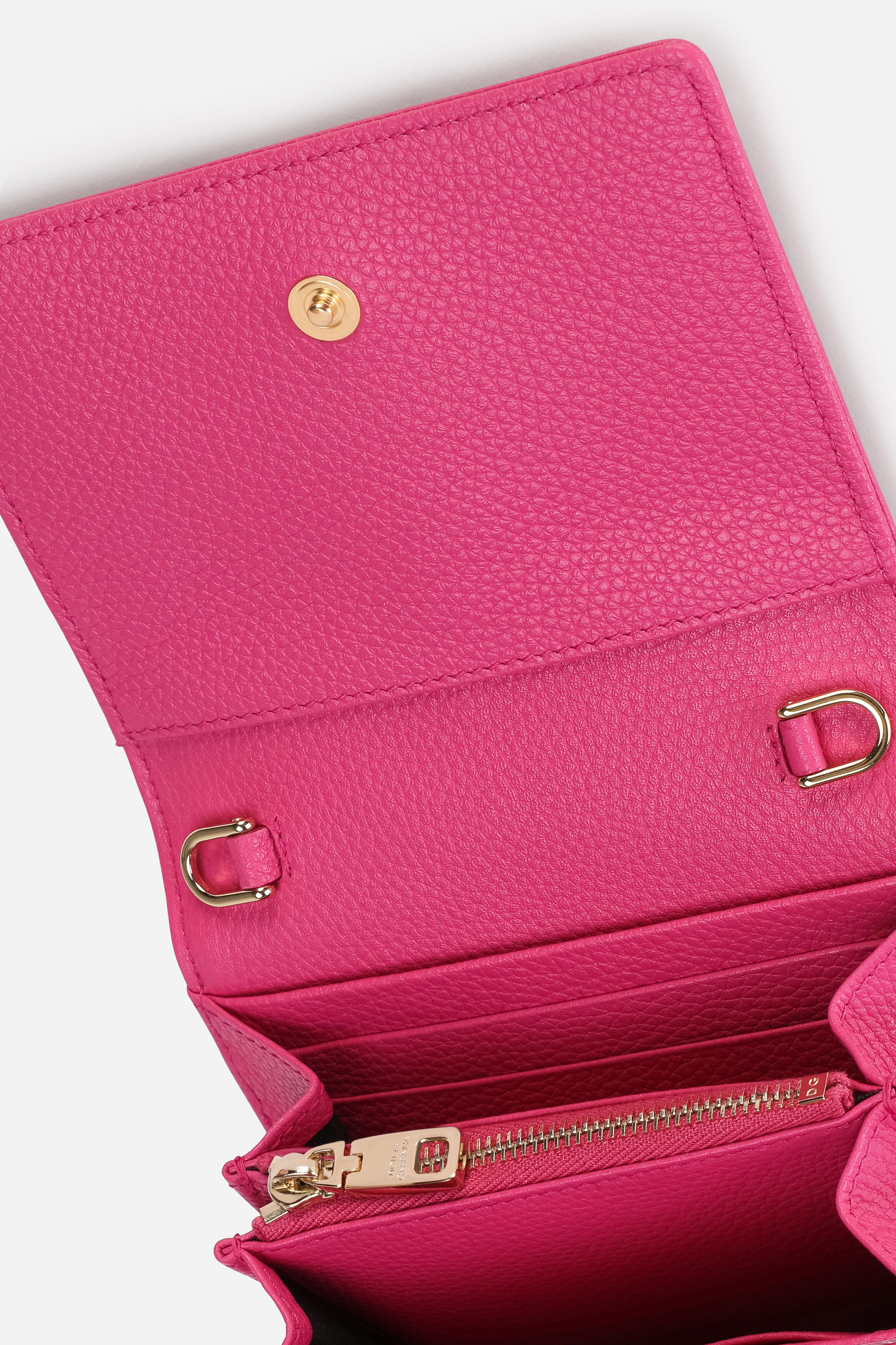 Tumbled calfskin wallet with chain detail 4