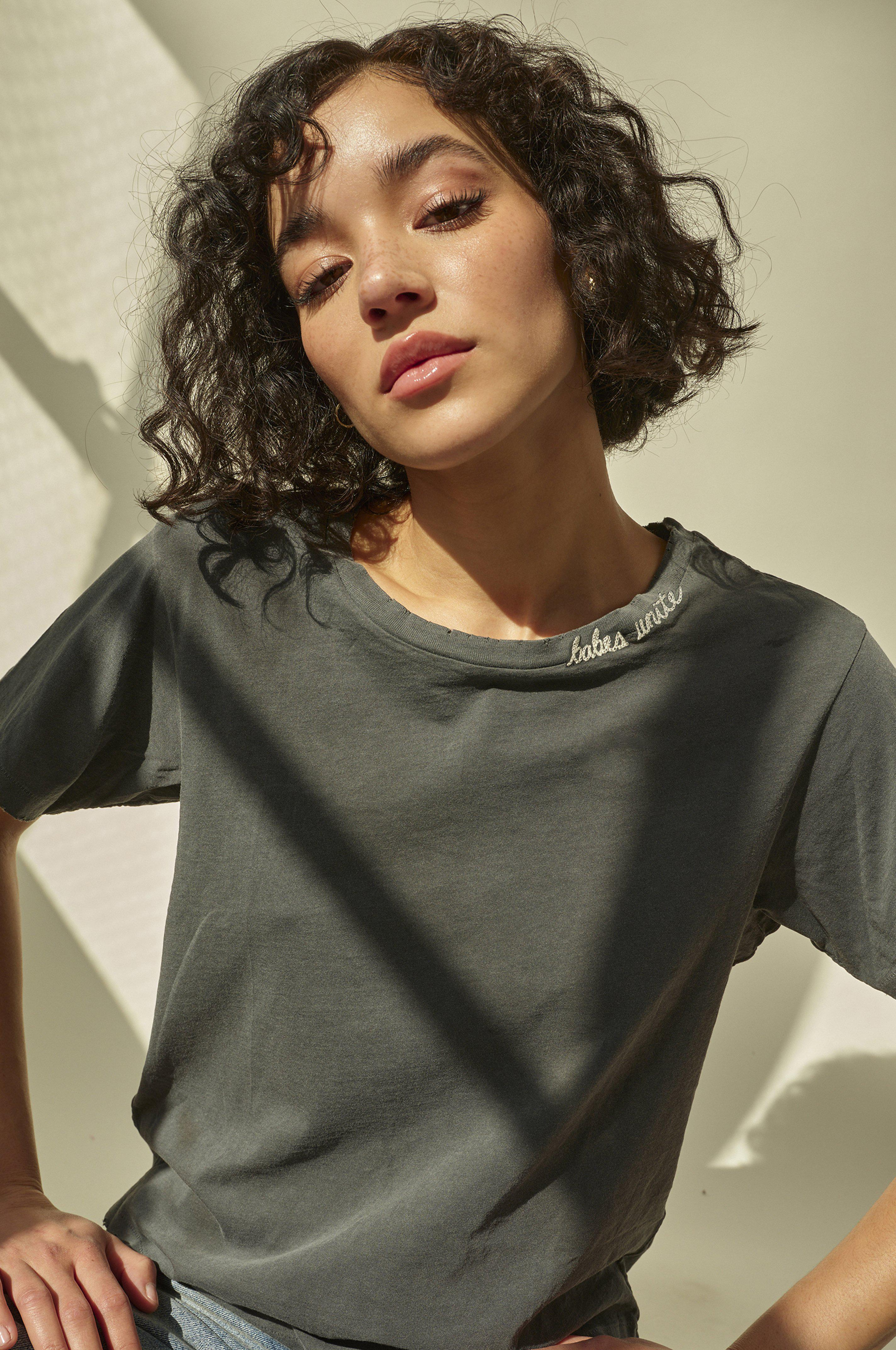 CLASSIC TEE W/ BABES UNITE EMBROIDERY FADED BLACK