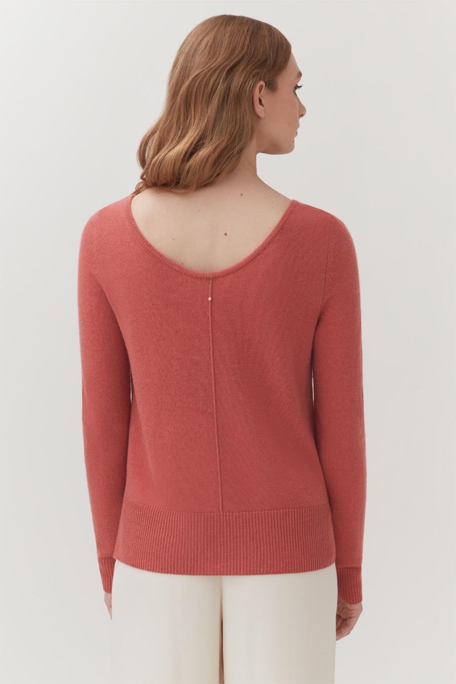 Women's Scoop Neck Sweater in Passion Fruit | Size: 2