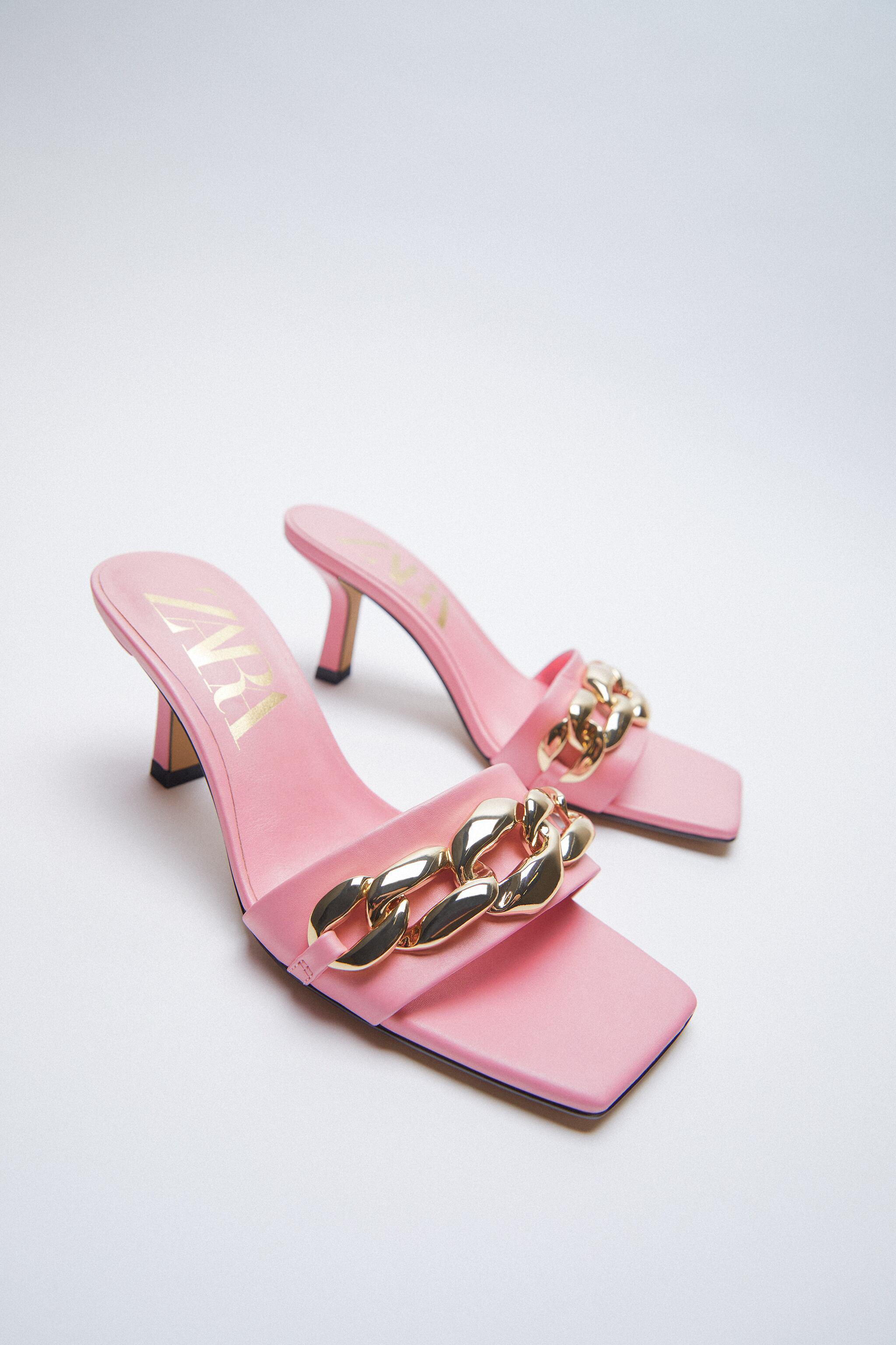 HIGH HEELED SANDALS WITH CHAIN 1