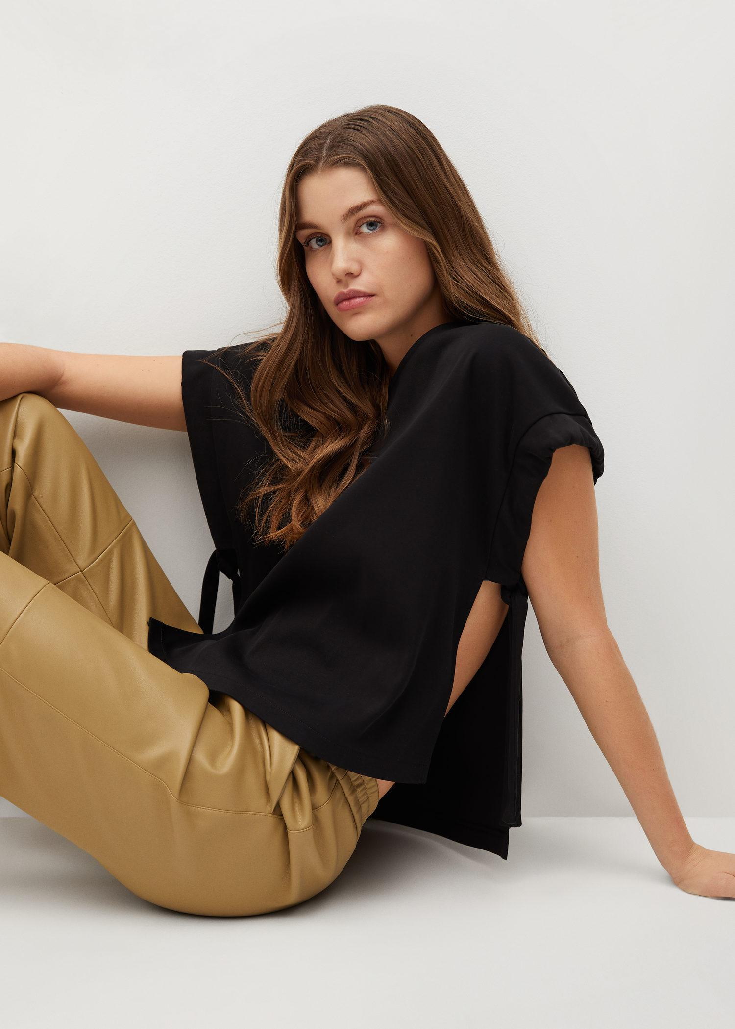 Cotton t-shirt with side opening 3