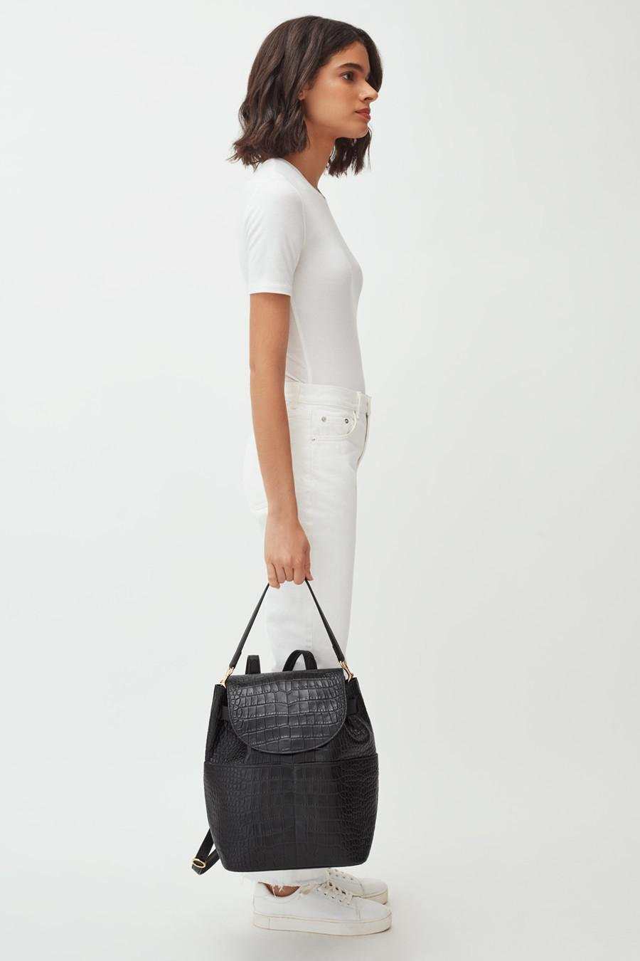 Women's Leather Backpack in Textured Black | Croc-Embossed by Cuyana 6