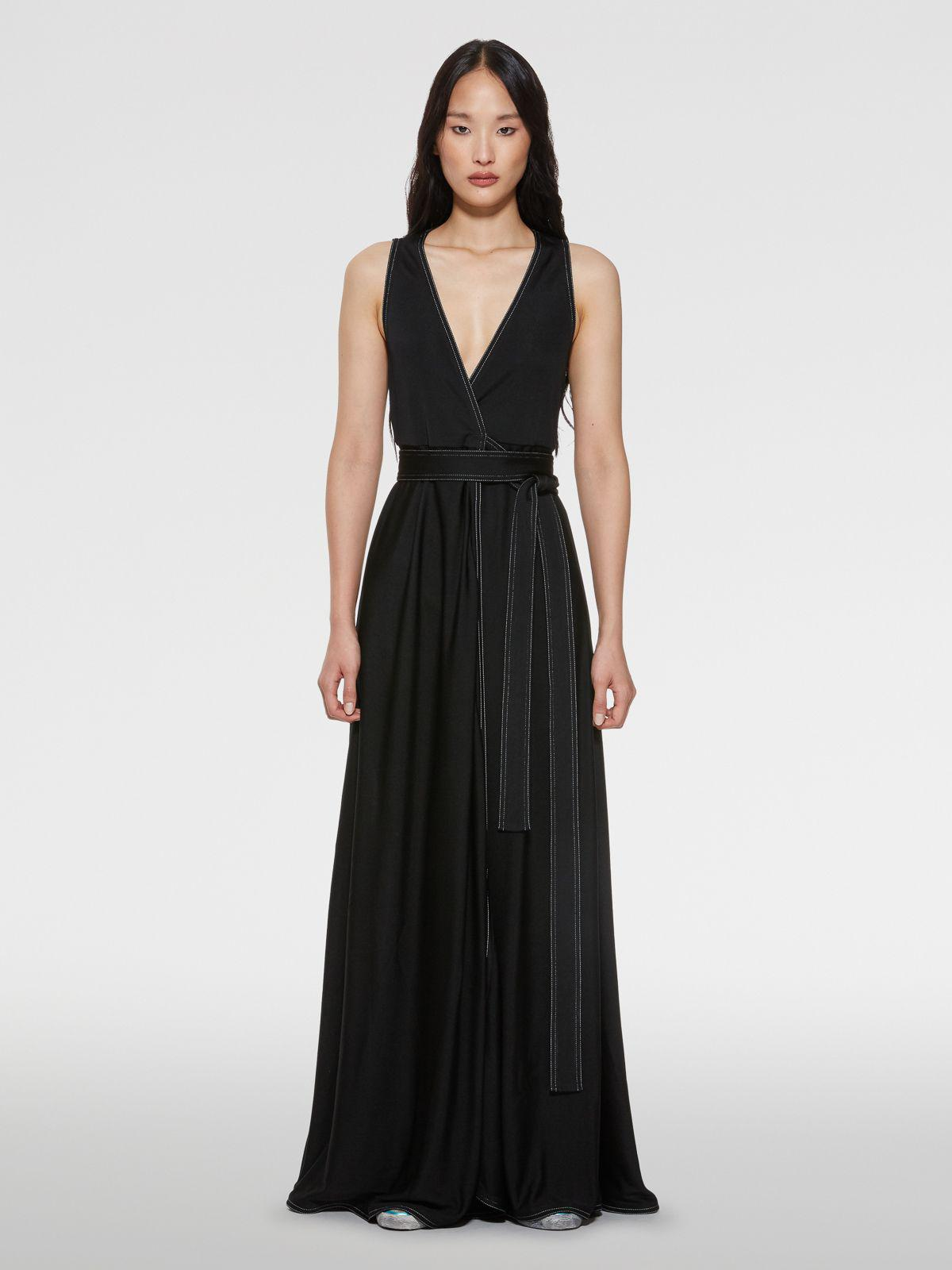 Cleopatra dress with side slit and belt at the waist