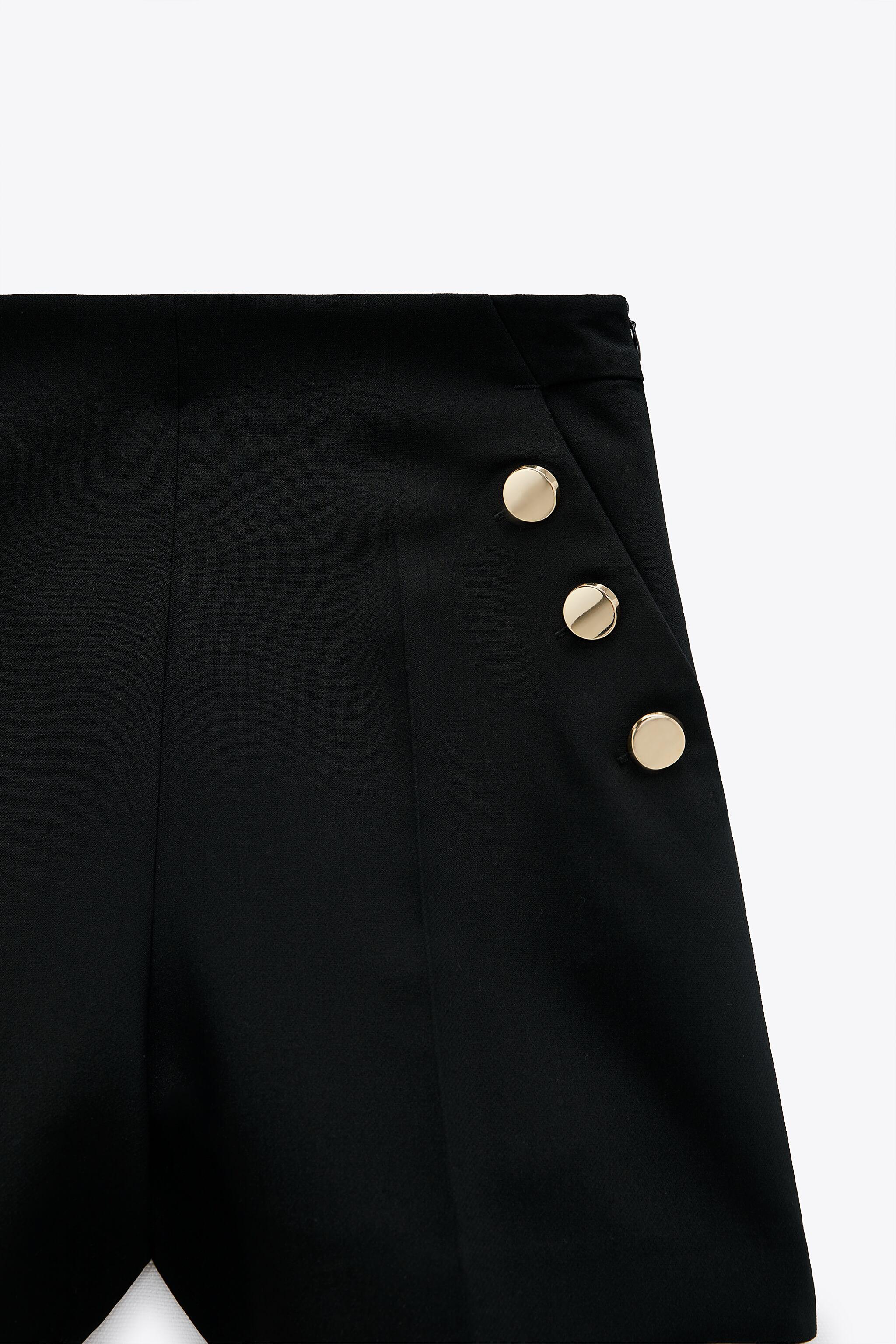 SHORTS WITH BUTTONS 4