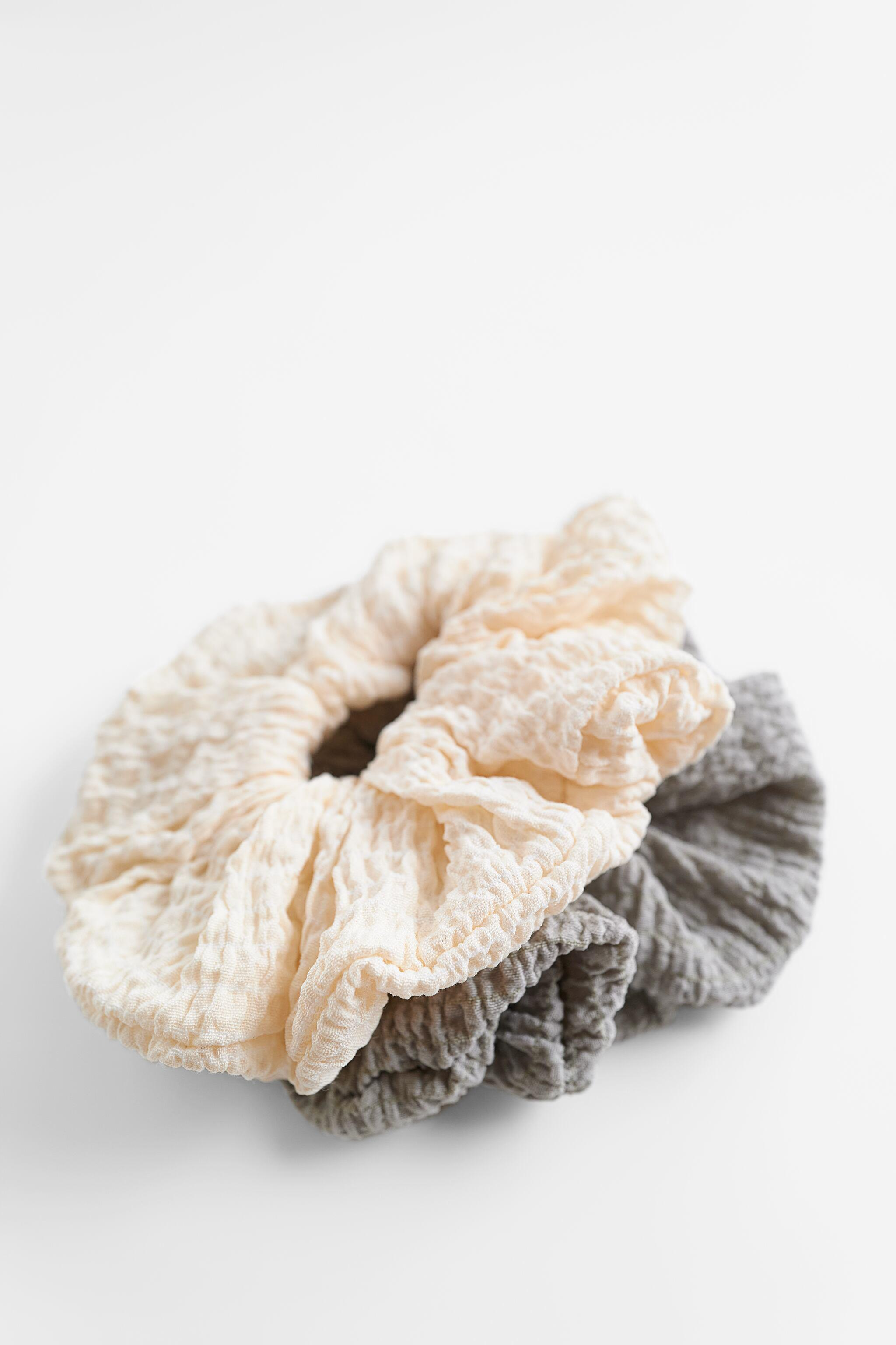 PACK OF SCRUNCHIES 3