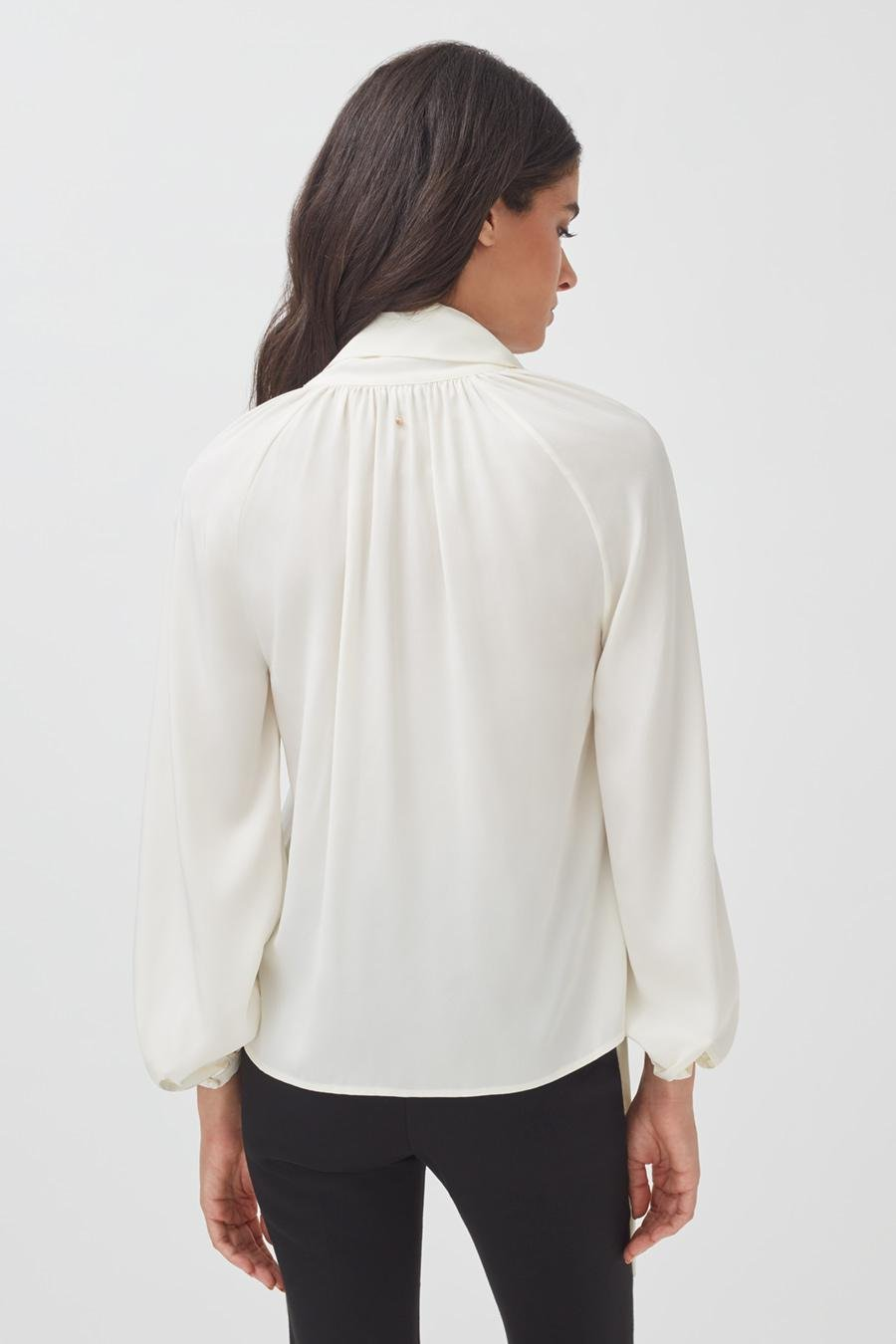Women's Silk Bow Blouse in White | Size: 2
