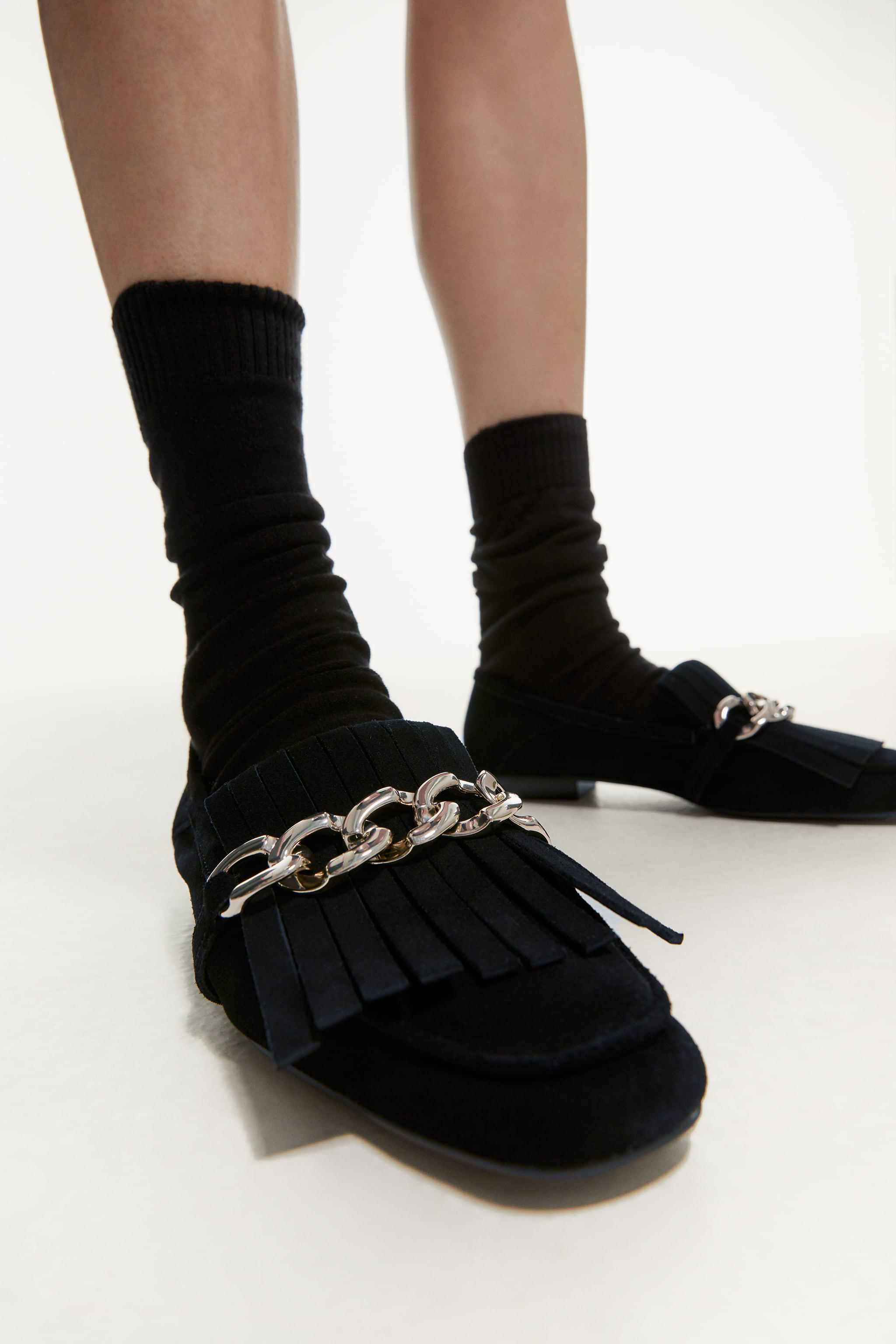 FRINGED SPLIT LEATHER MOCCASINS WITH CHAIN 2