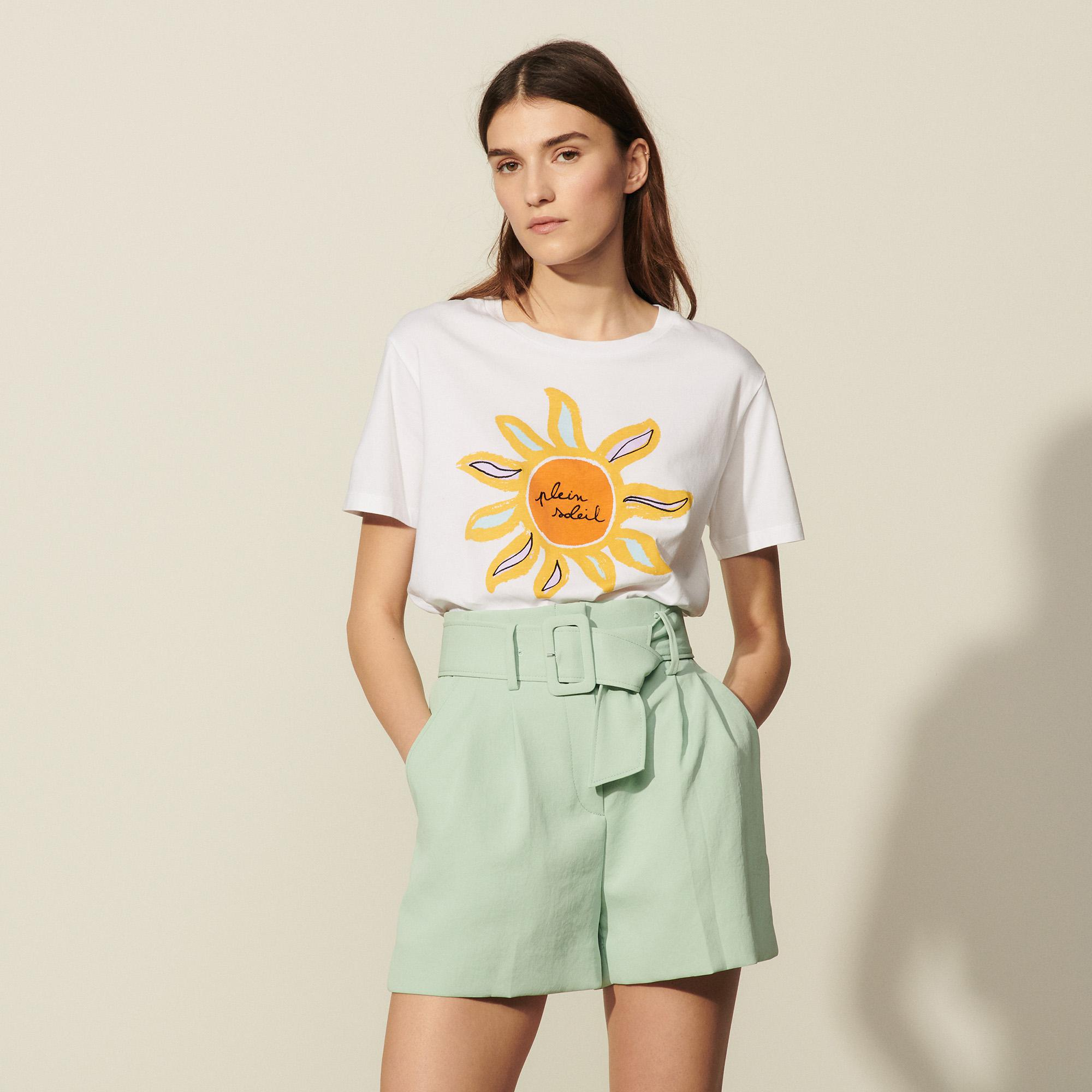 Shorts with wide belt