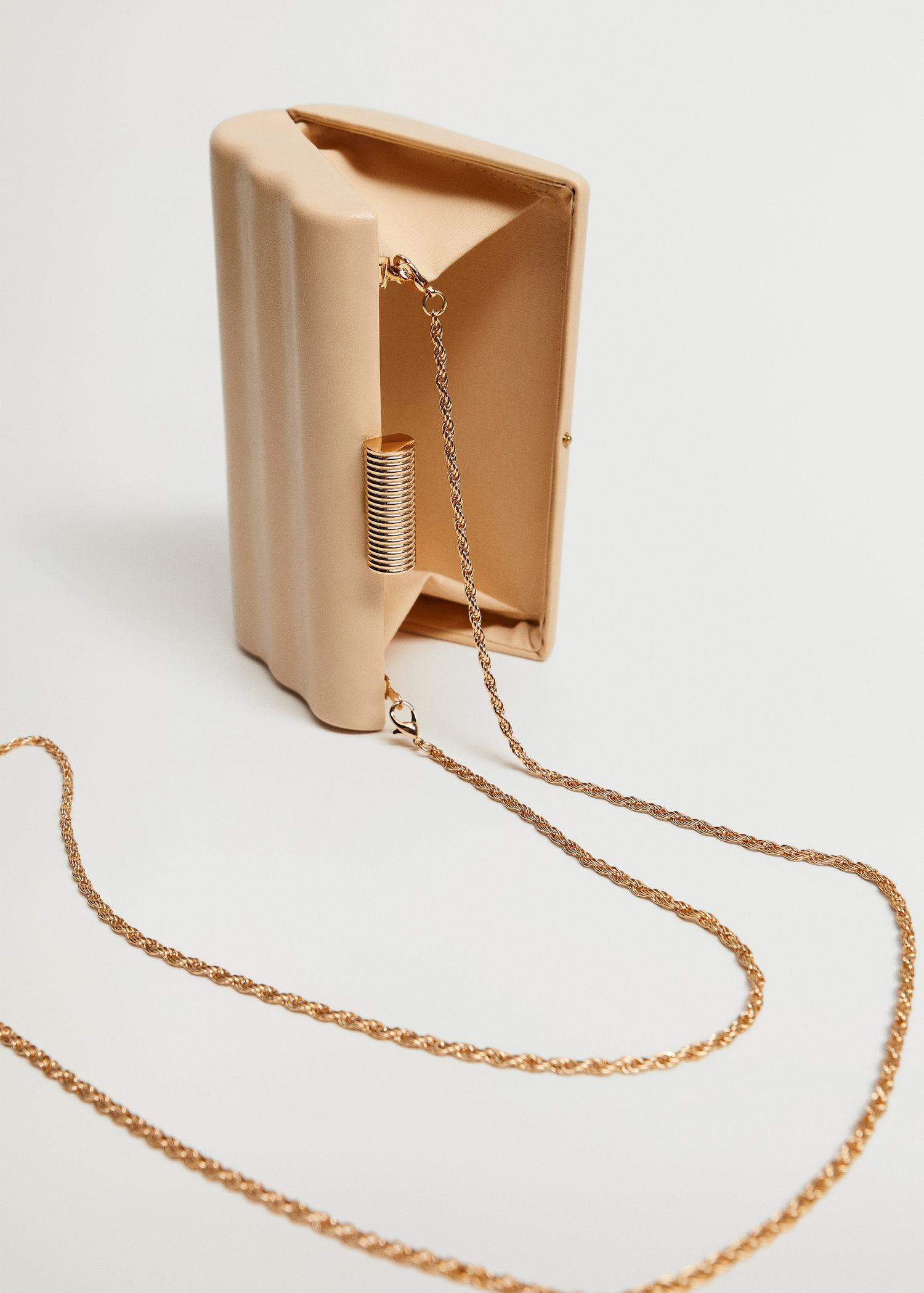 Box clutch with chain 2