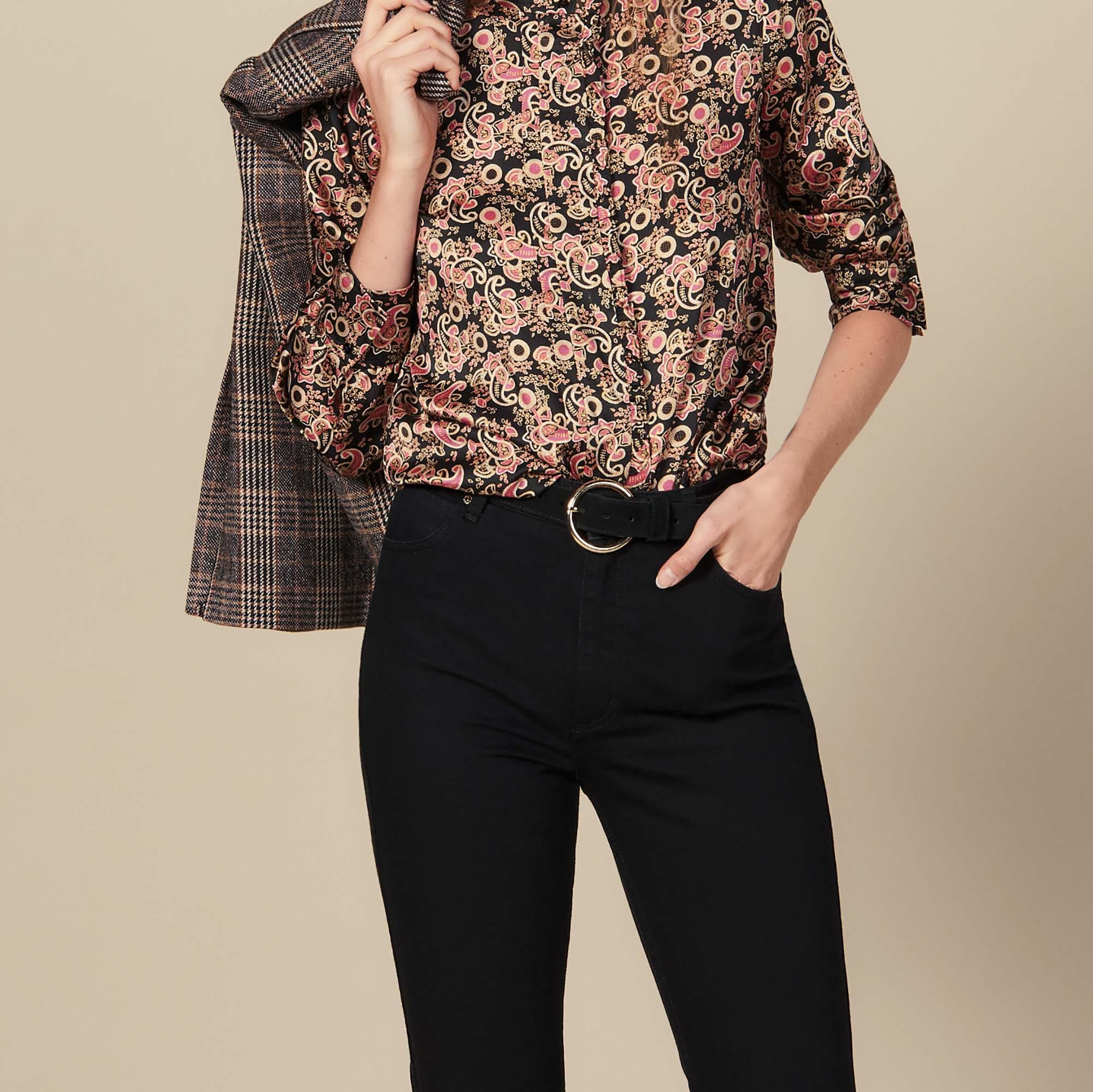 High collar blouse edged with ruffles