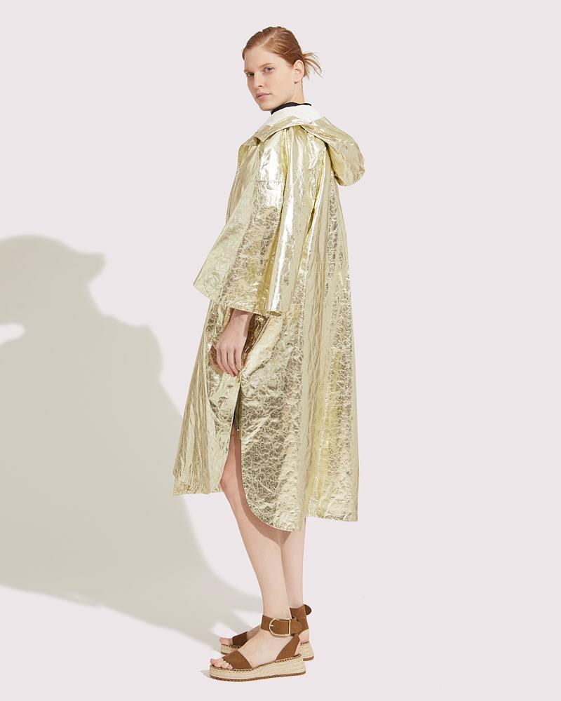 Oversized cape in paper Leather 1