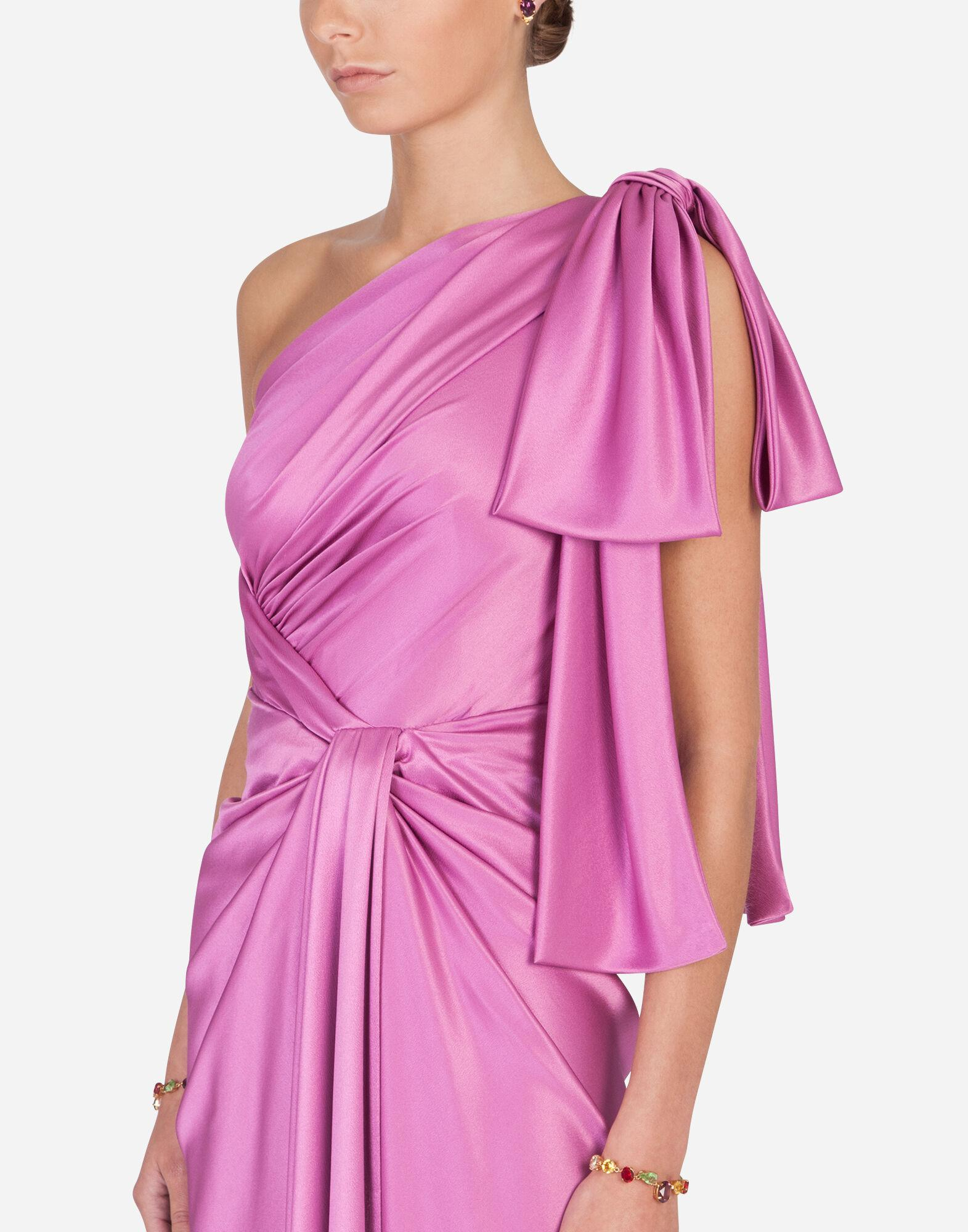 Long one-shoulder silk dress with bow detail 3