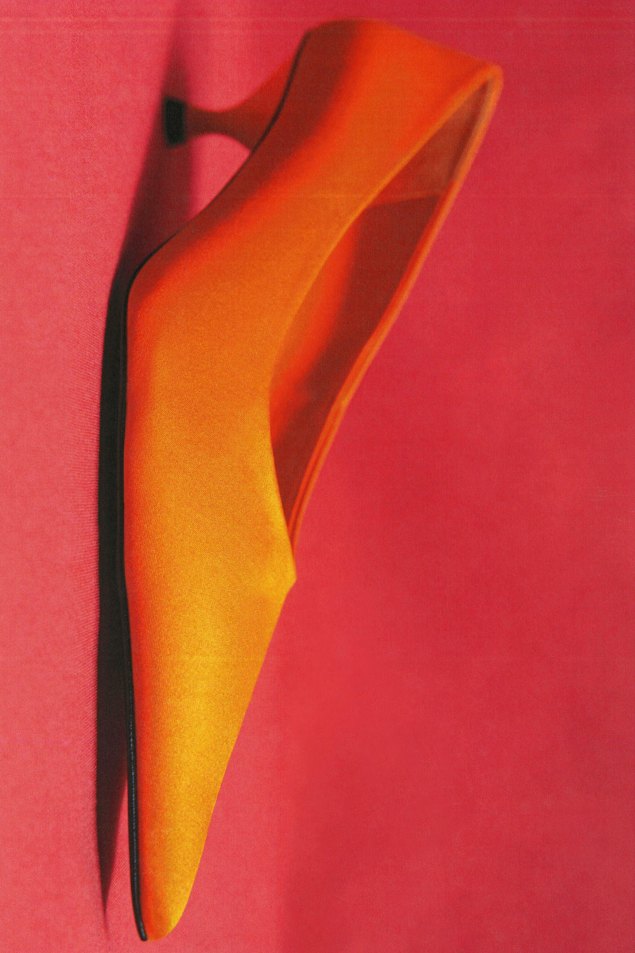 SATIN EFFECT POINTED TOE HEELS 4