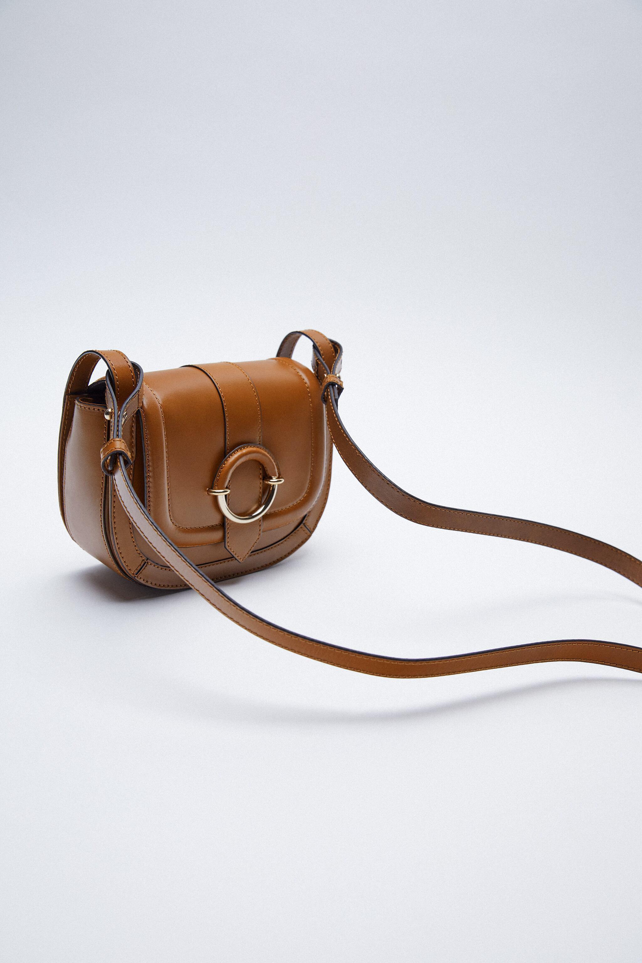 OVAL LEATHER CROSSBODY BAG WITH BUCKLE 2