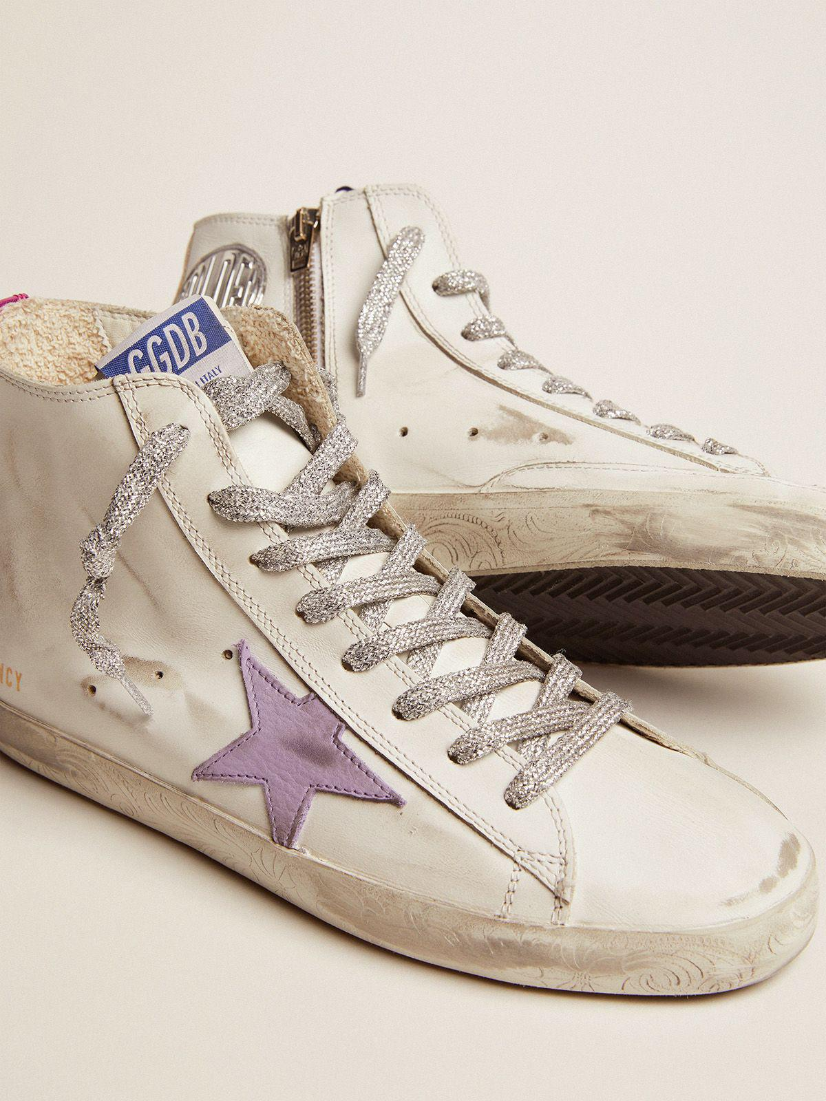 Francy sneakers with foxing with floral decorations and lavender-colored star 2