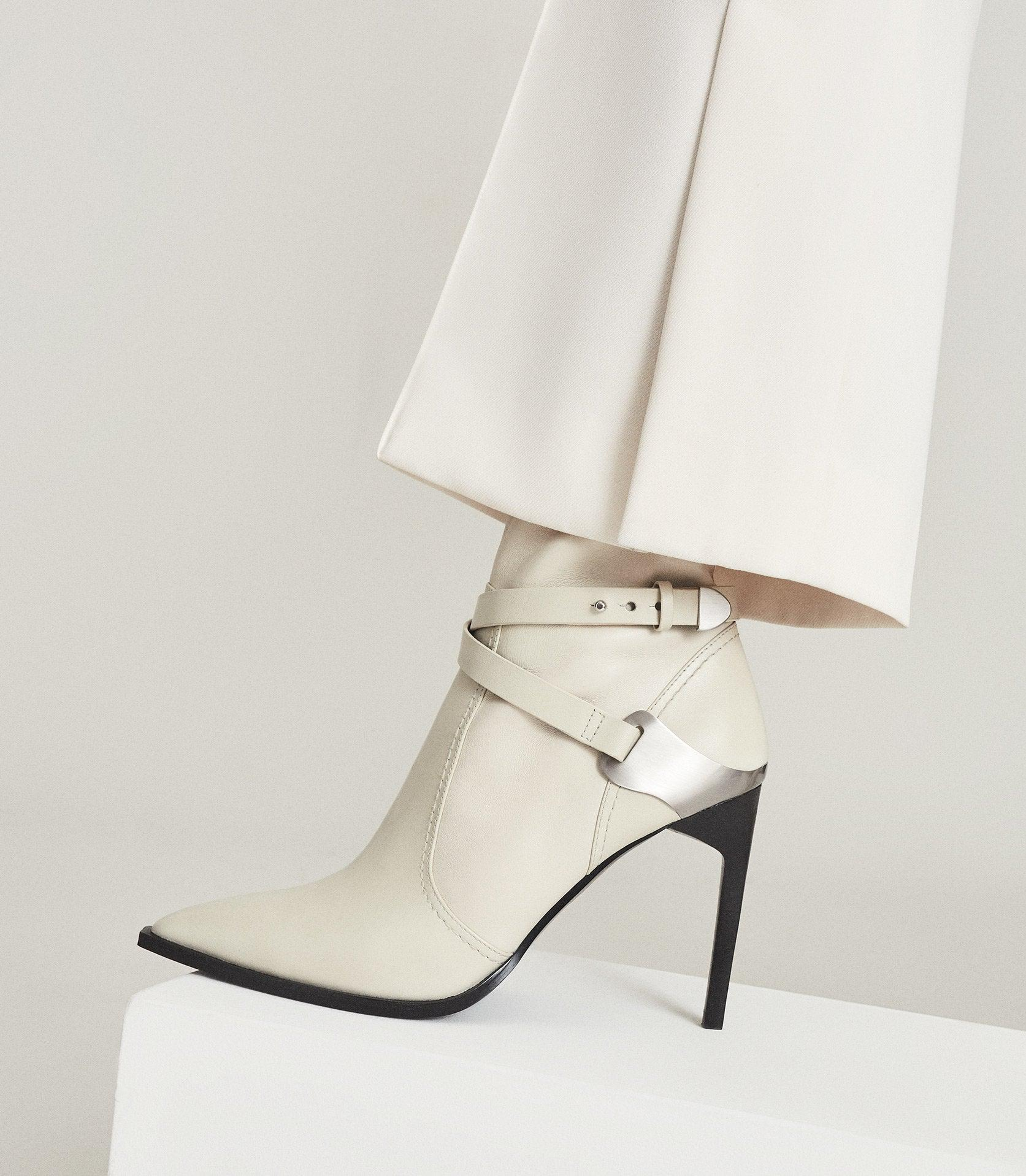 HAYWORTH HIGH - LEATHER POINT-TOE BOOTS 1
