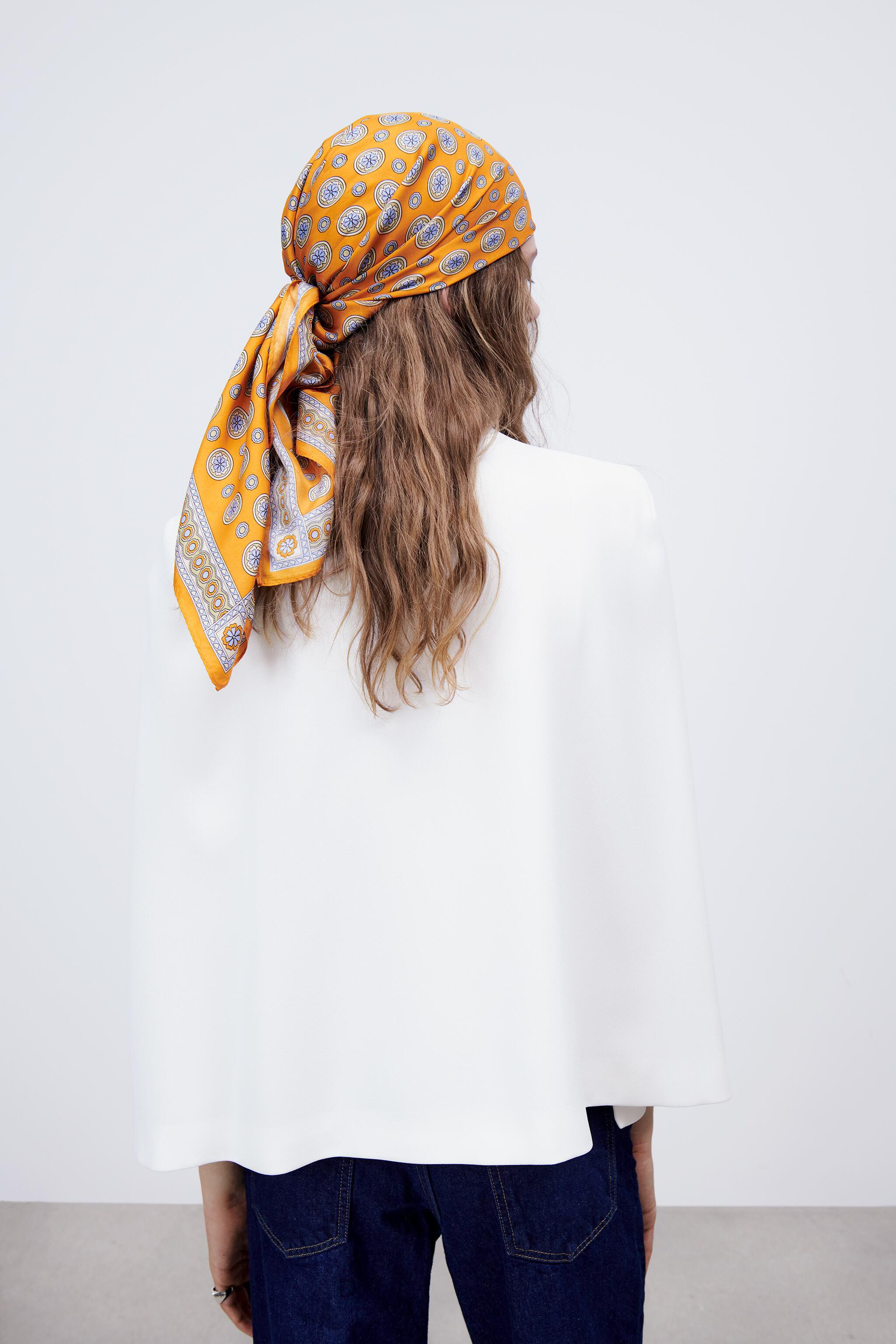 CAPE WITH SLITS 3
