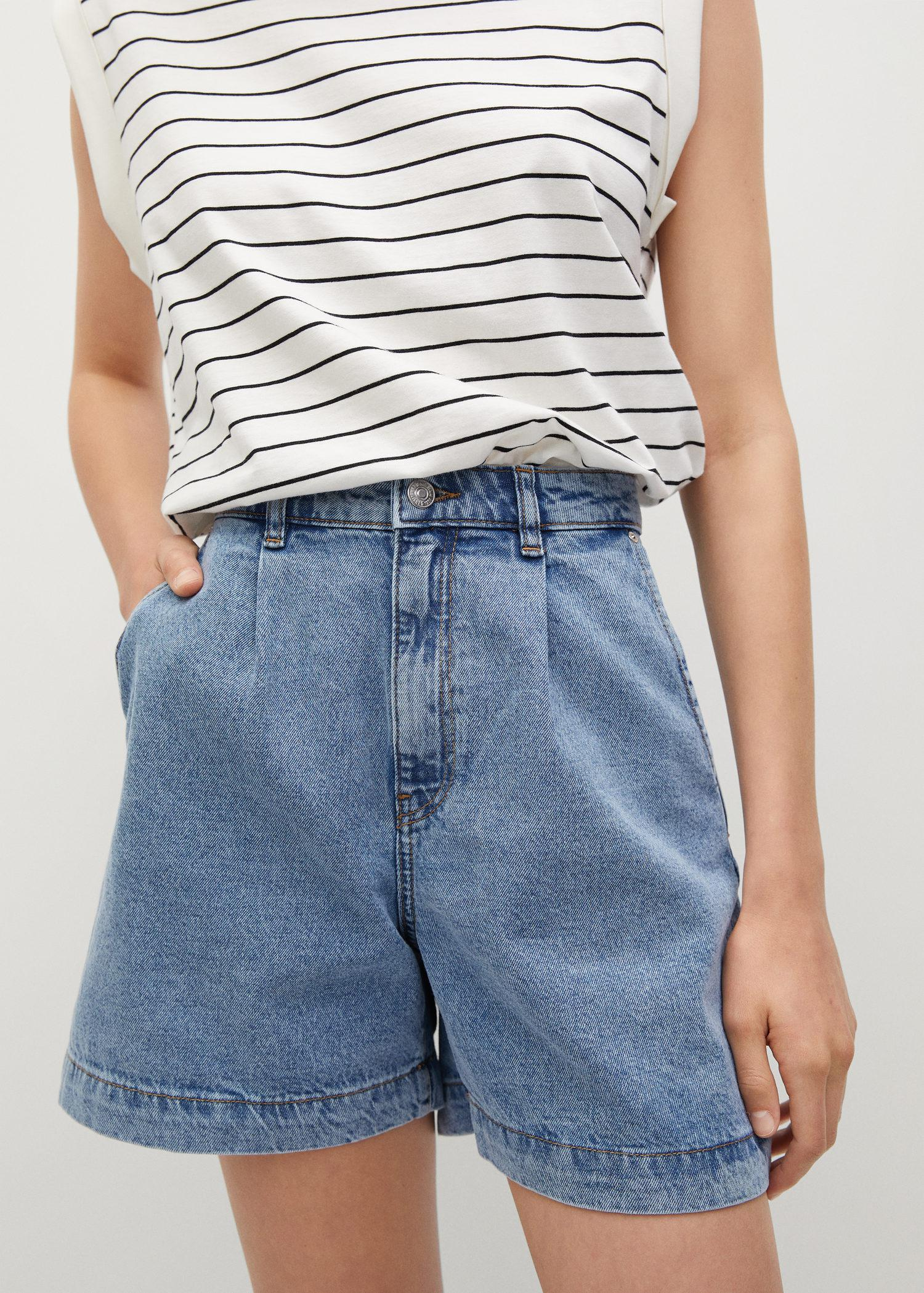 Slouchy pleated shorts