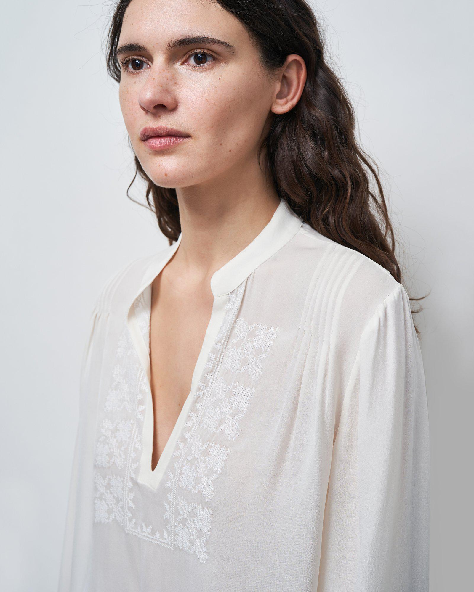 ALEXANDRA EMBROIDERED TOP