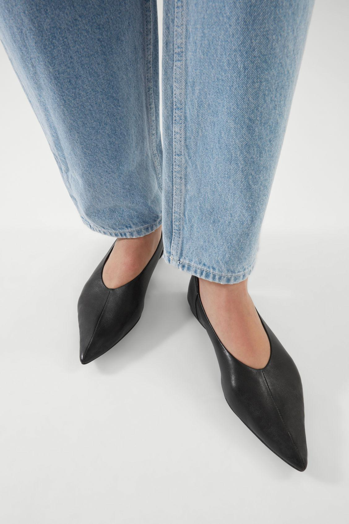 POINTED LEATHER BALLET FLATS 6