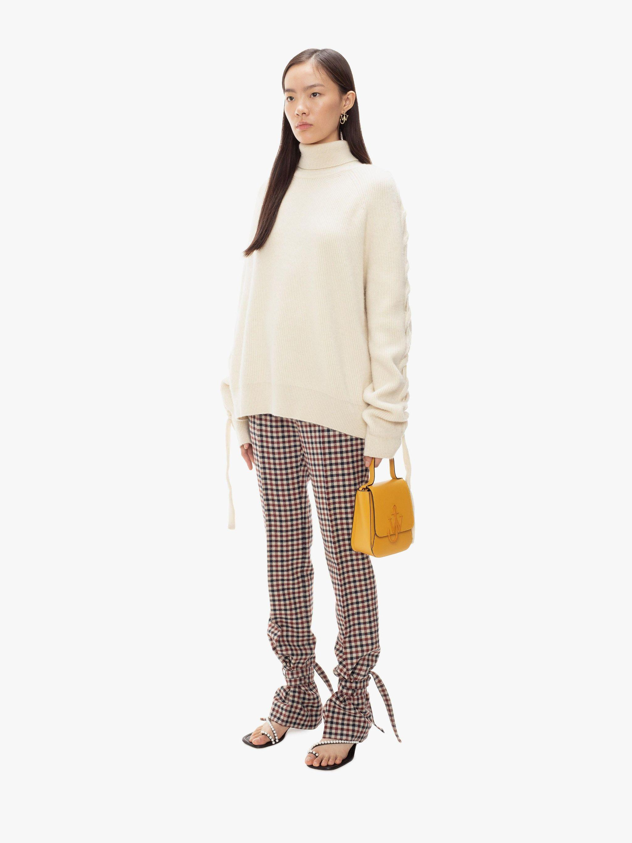 CABLE INSERT TURTLENECK 1