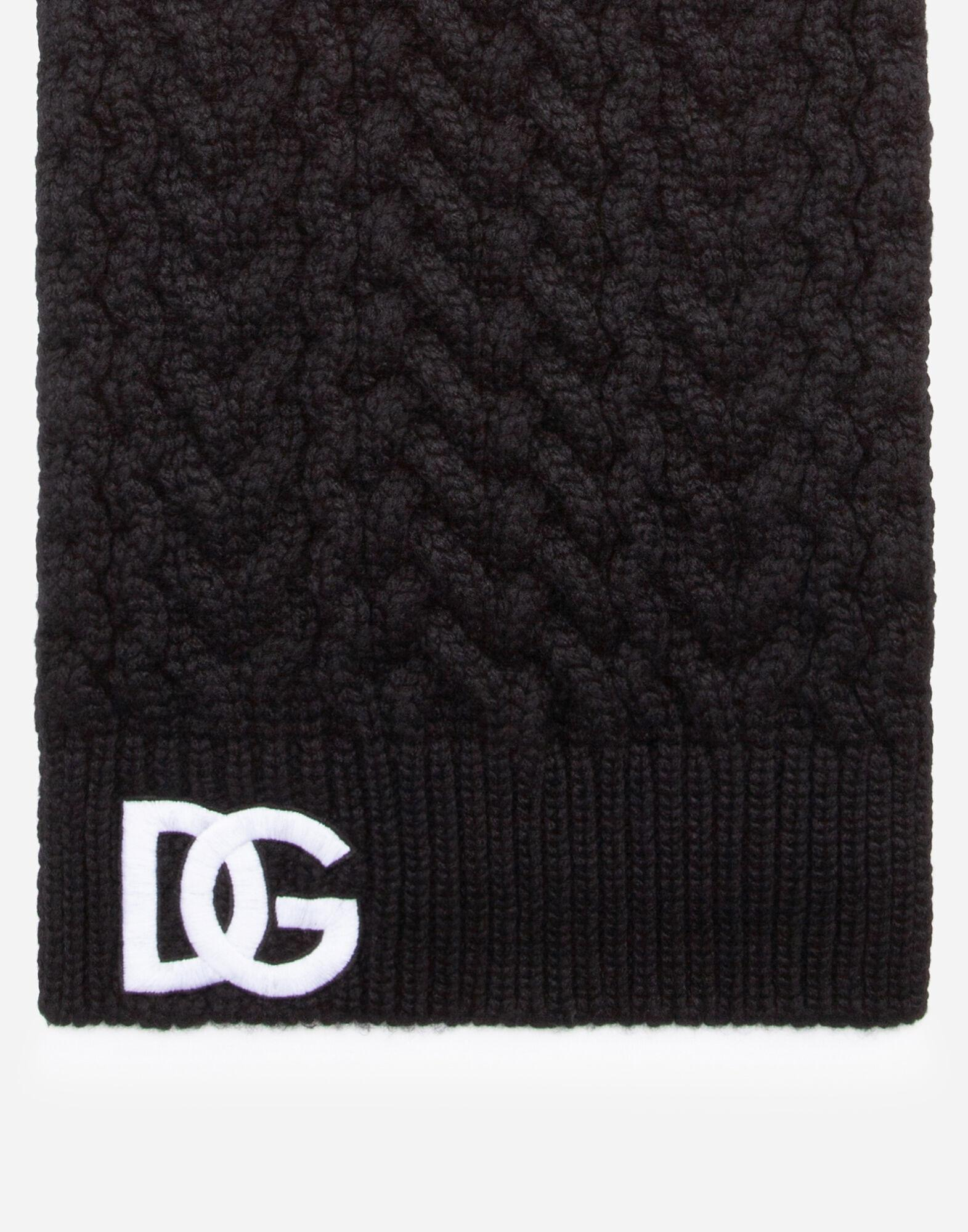 Wool scarf with logo embroidery 1