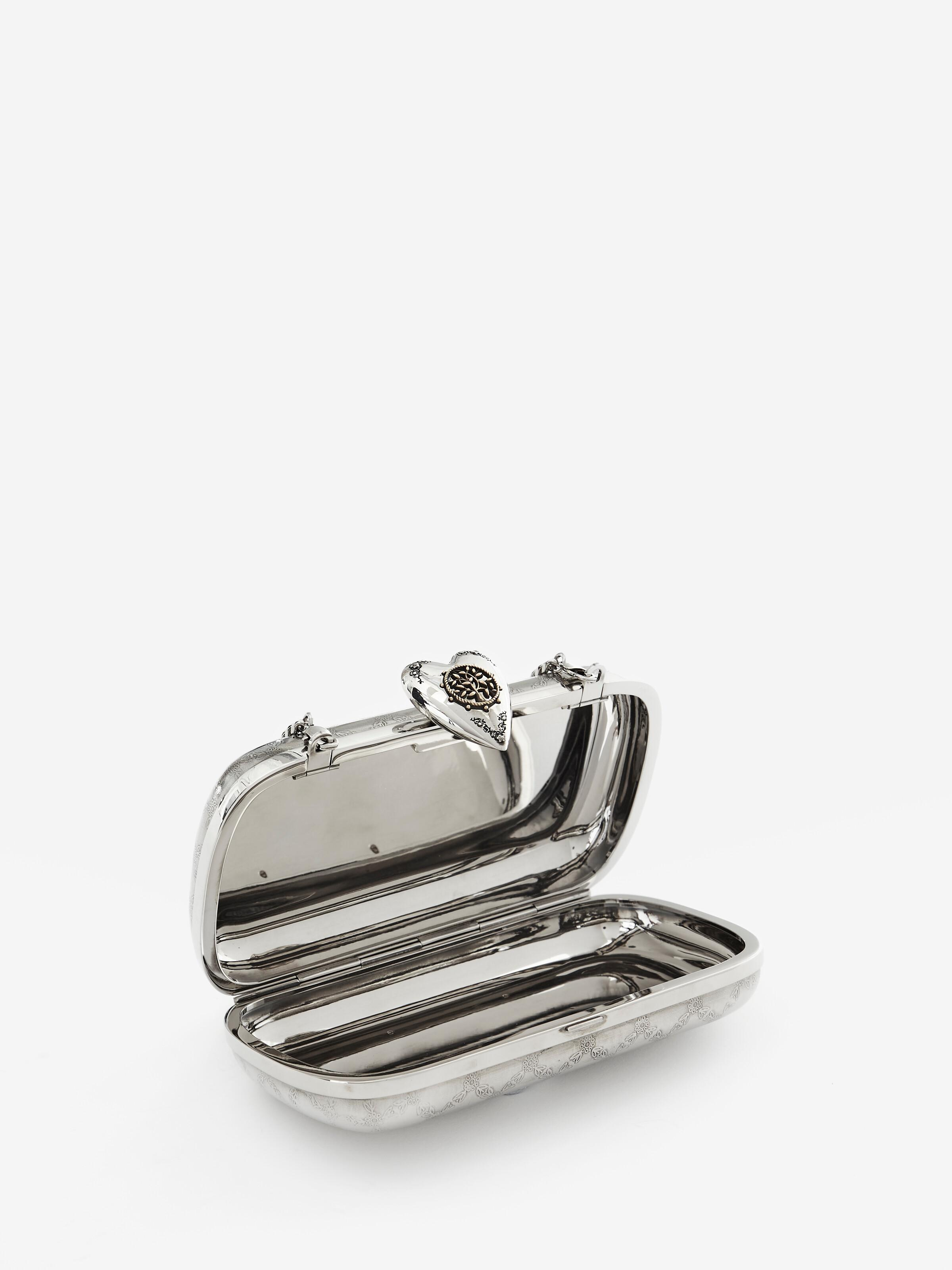 Engraved Heart Clutch 3