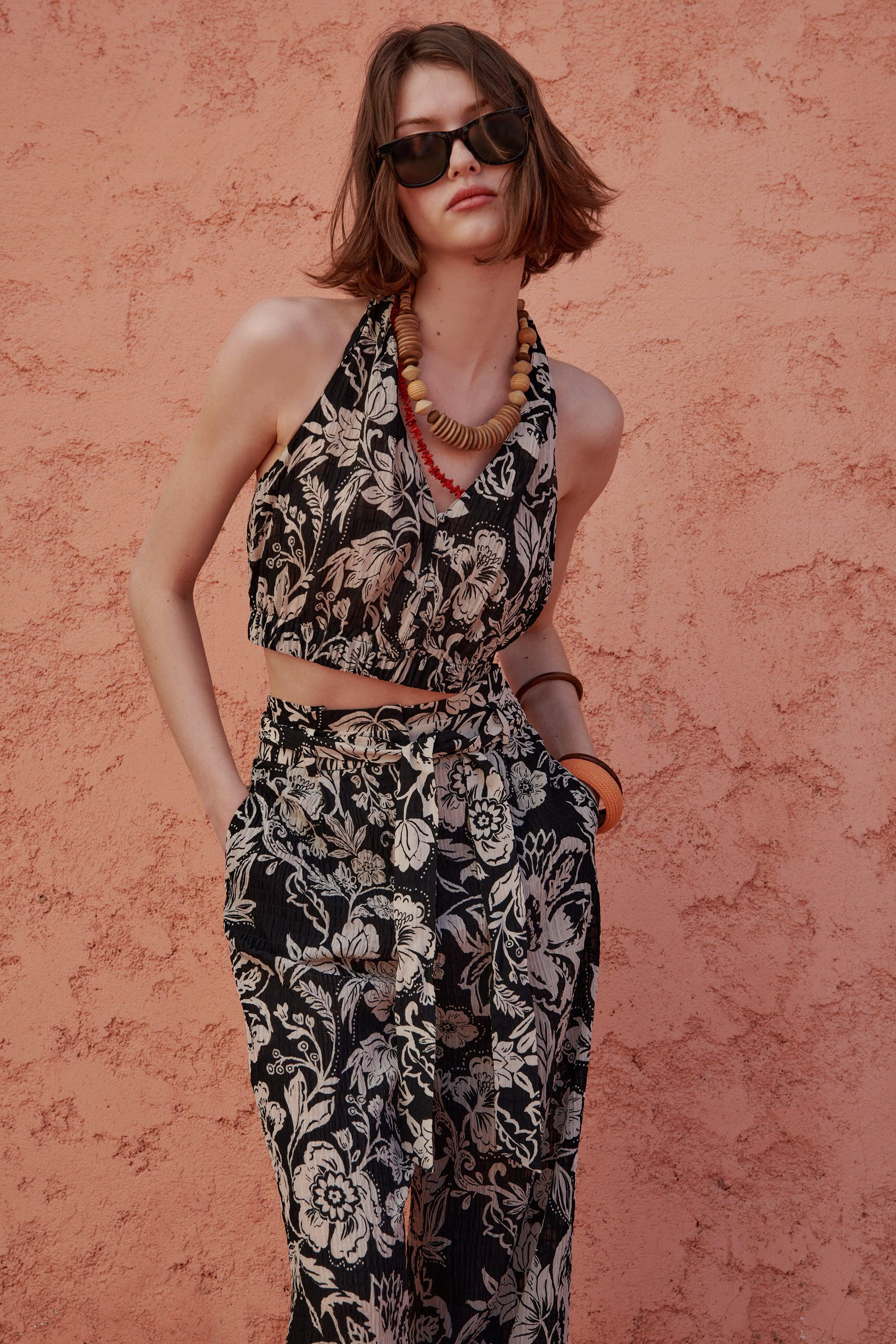 KNOTTED BACK PRINTED TOP