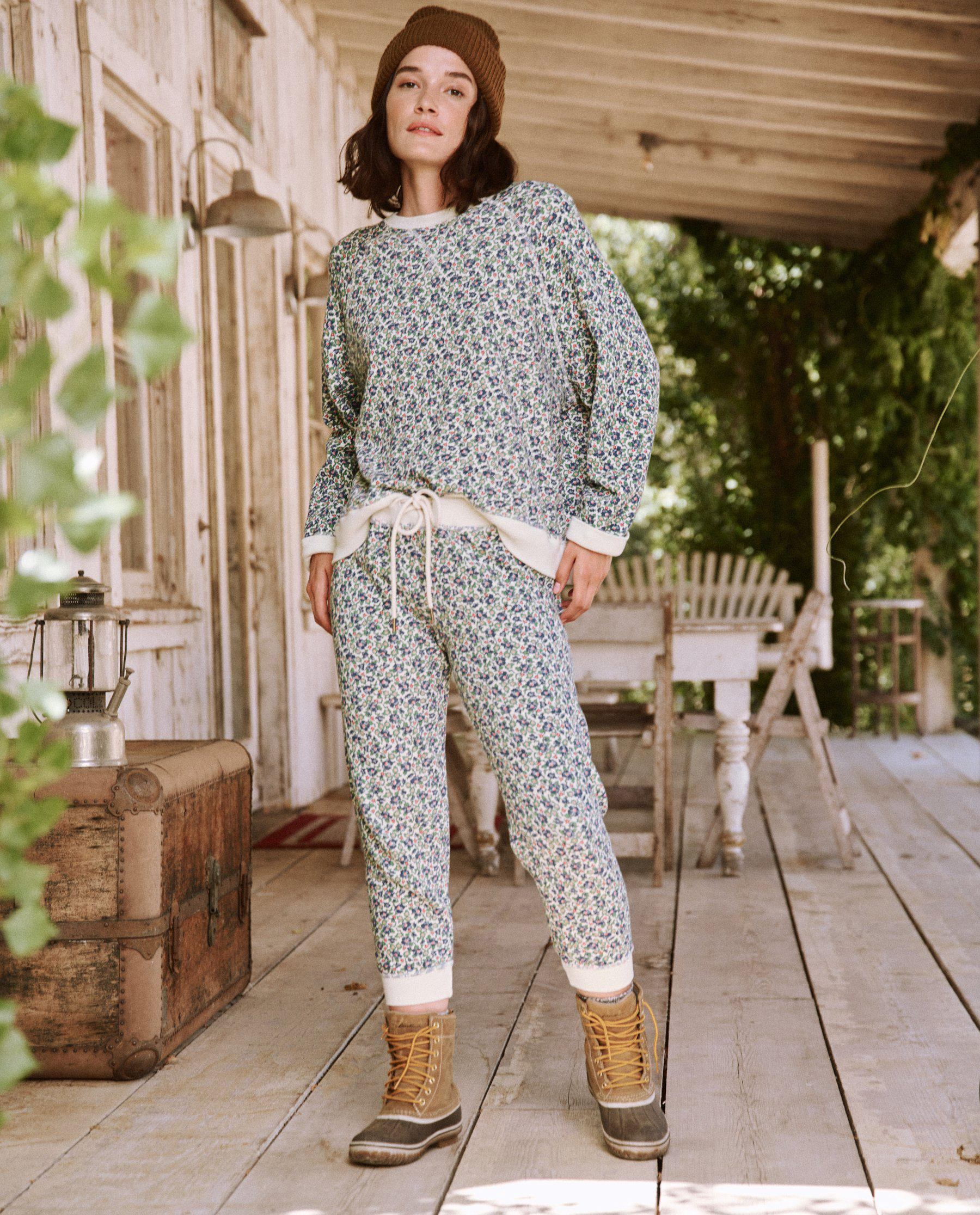 The Cropped Sweatpant. Novelty -- Cream Field Floral