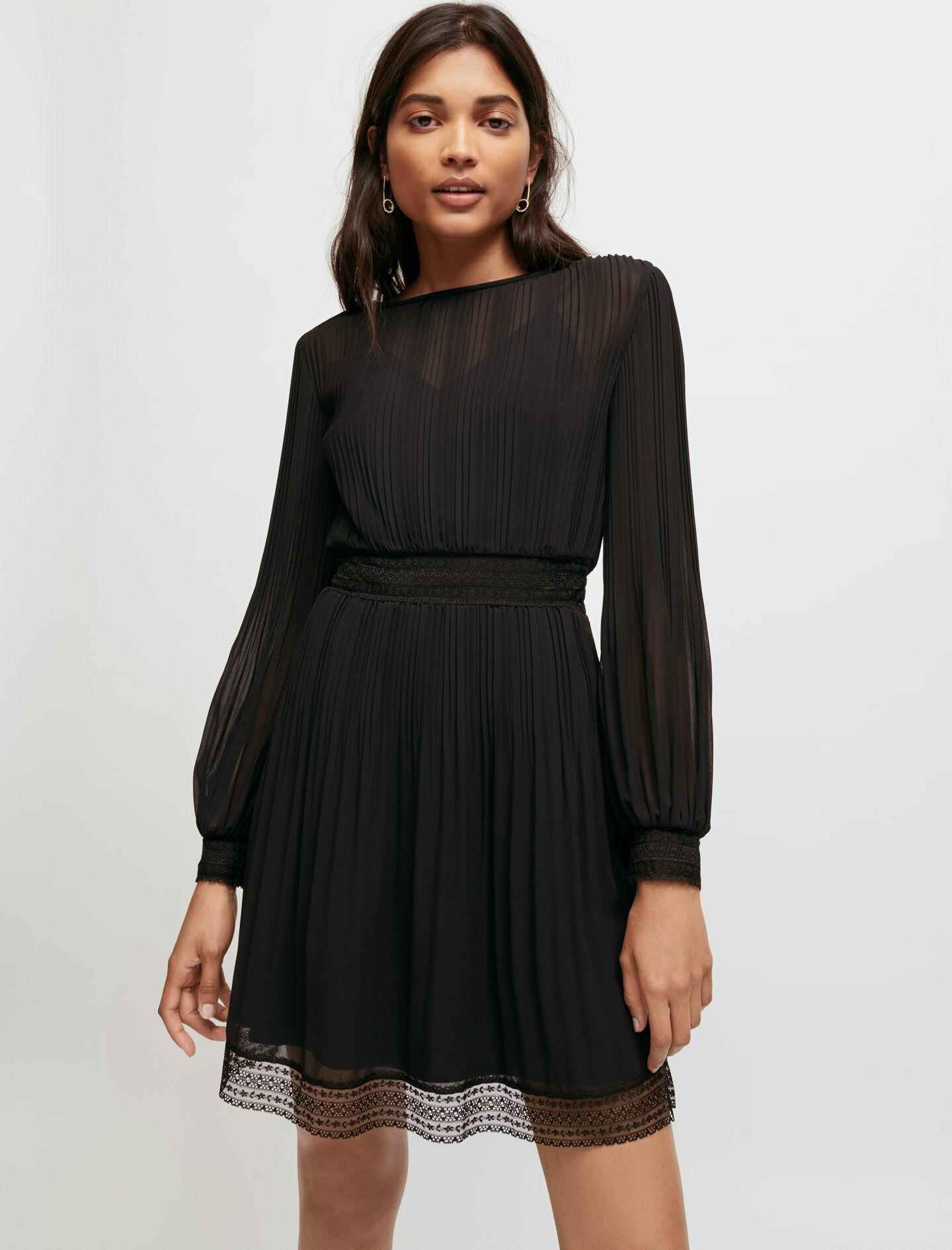 MUSLIN AND LACE SMOCKED DRESS