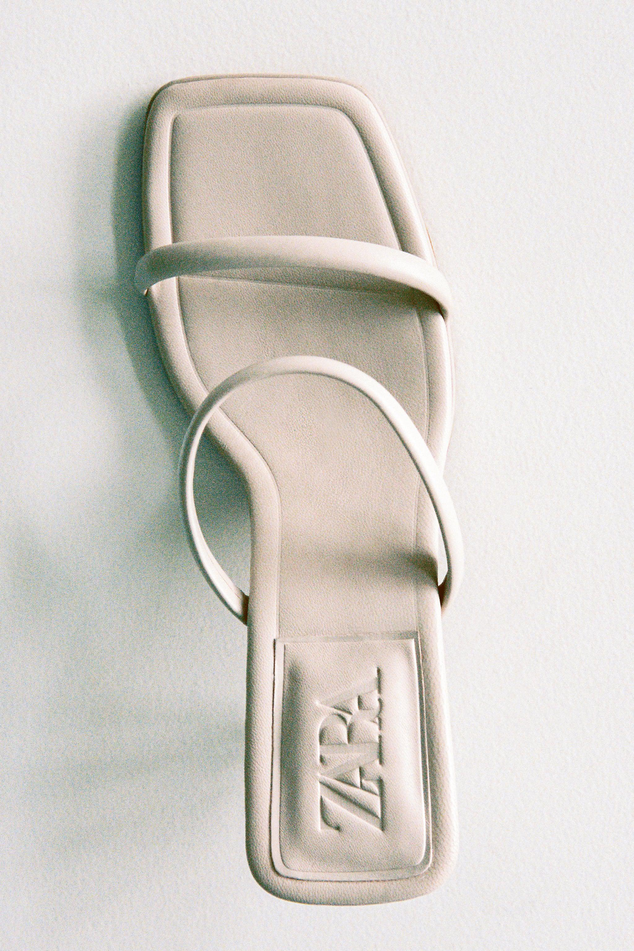 STRAPPY HEELED LEATHER SANDALS 3