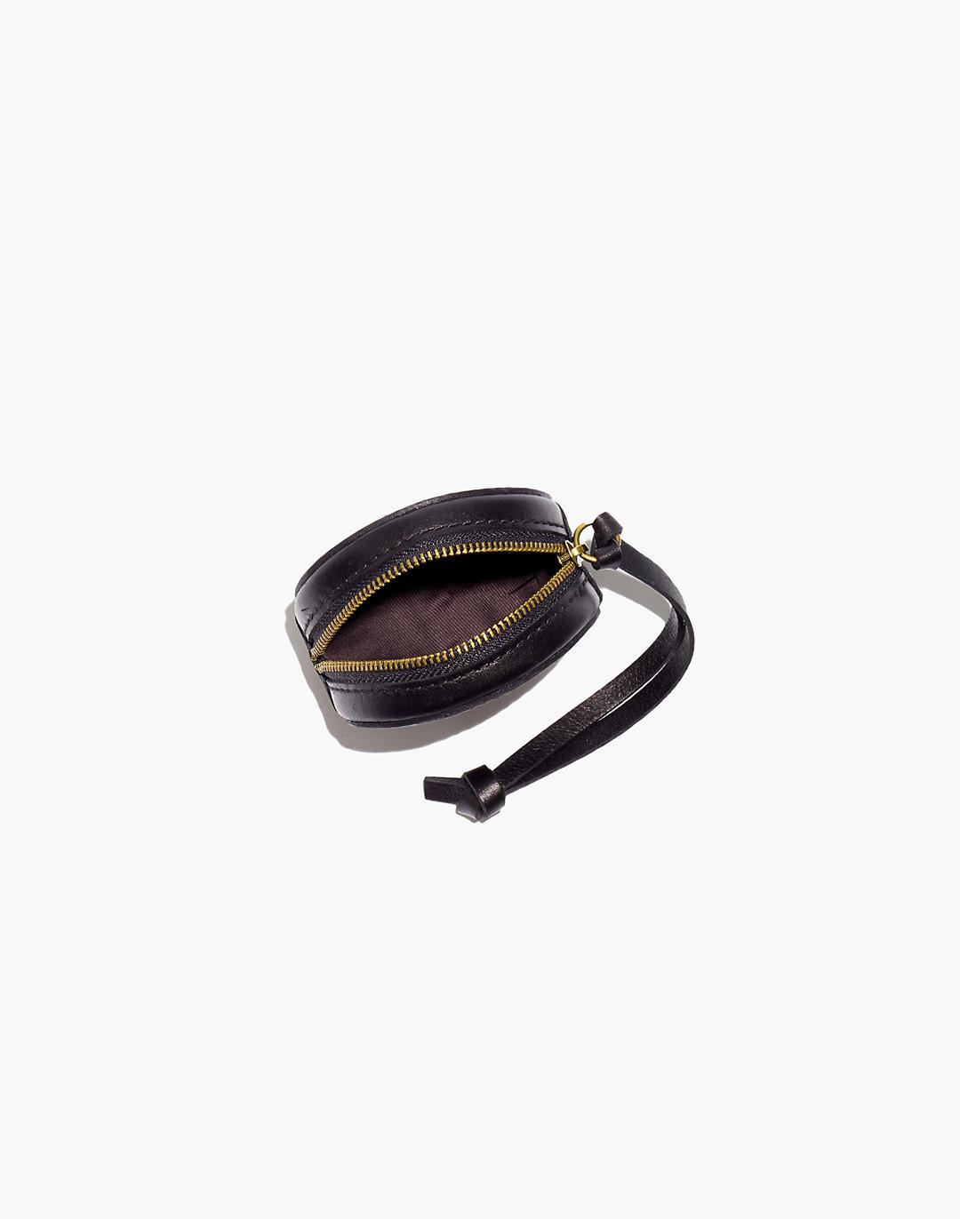 The Earbud Circle Pouch in Leather 1