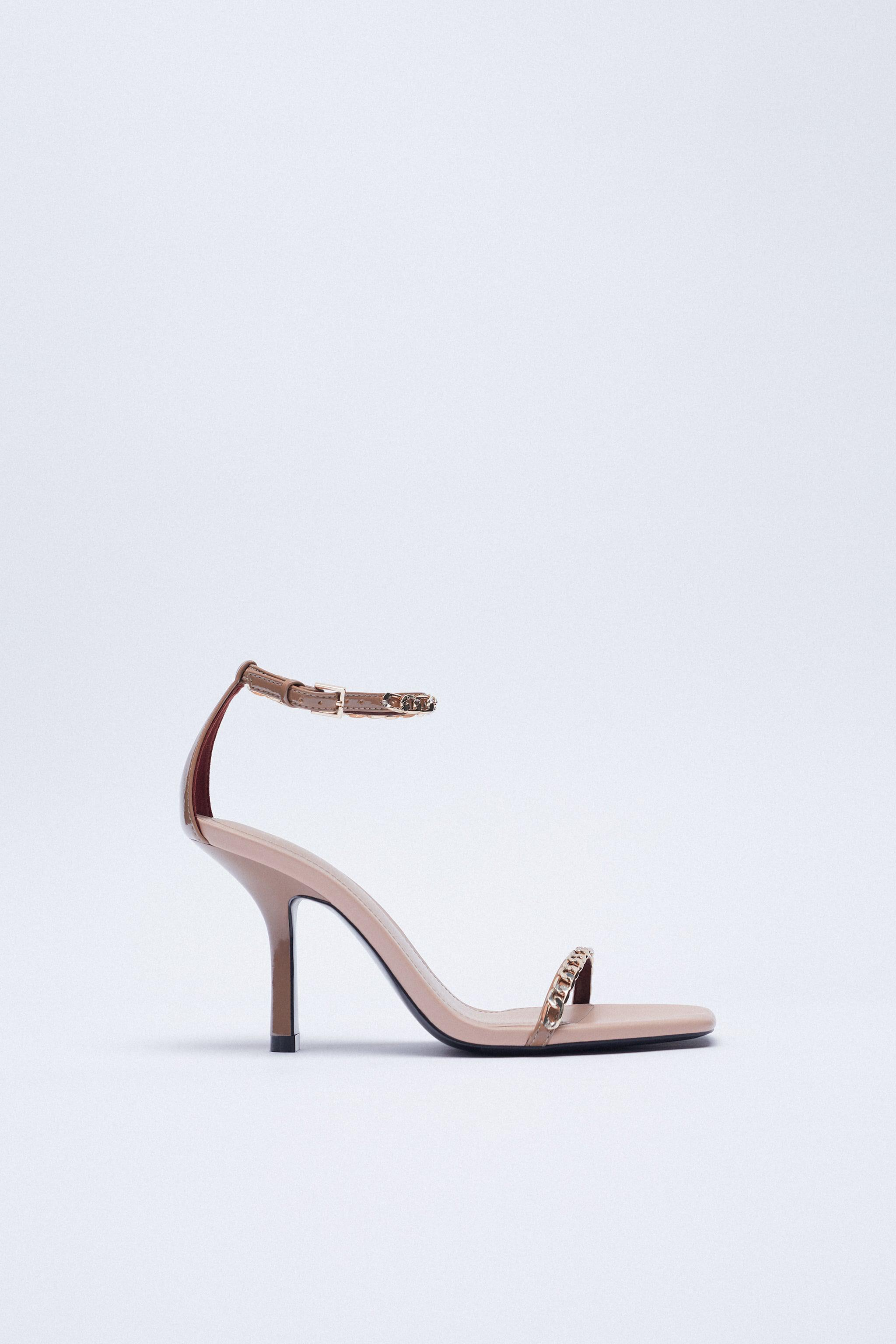 HIGH HEELED SANDALS WITH CHAIN 2