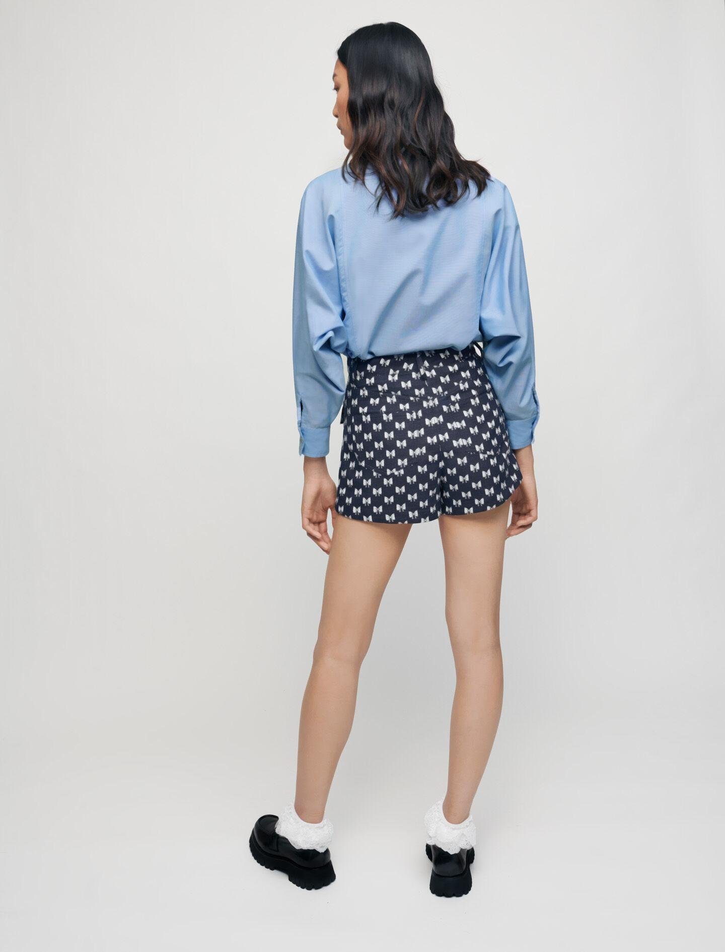 JACQUARD SHORTS WITH BOW PATTERN 3