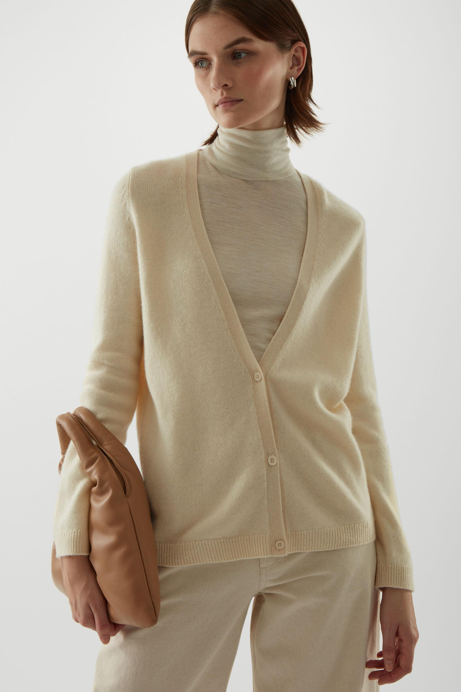 KNITTED CASHMERE CARDIGAN 1