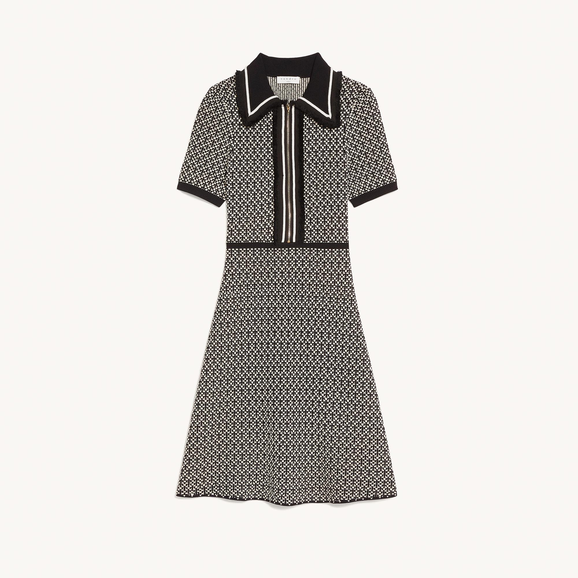 Knit dress with short sleeves